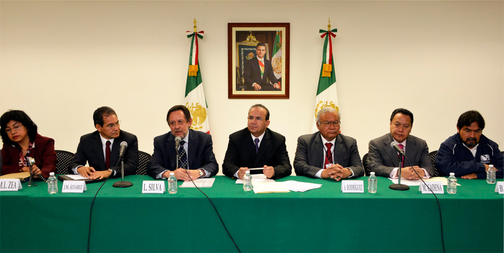 El titular de la STPS, Alfonso Navarrete Prida, deseó éxito a la gestión del Comité Ejecutivo del Sindicato de Trabajadores de la Universidad Nacional Autónoma de México.