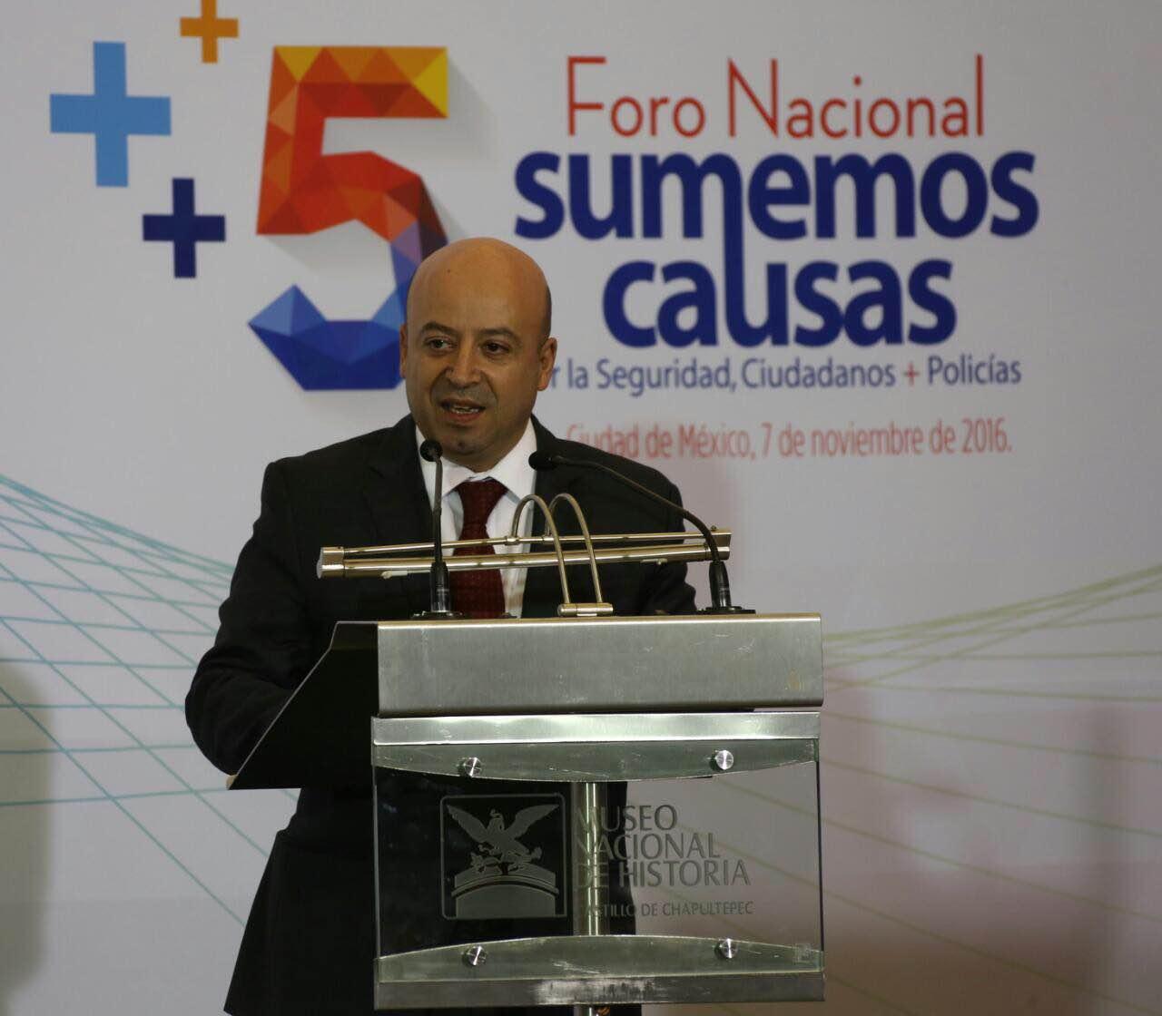 Lic. Renato Sales Heredia, al clausurar el Quinto Foro Nacional  realizado en el Castillo de Chapultepec