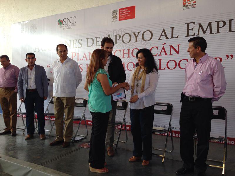La Subsecretaria de Empleo y Productividad Laboral, Patricia Martínez Cranss, realizó una gira de trabajo a municipios de Michoacán, entre ellos Jacona, Zamora y Morelia, donde supervisó distintas acciones de la Secretaría del Trabajo y Previsión Social.