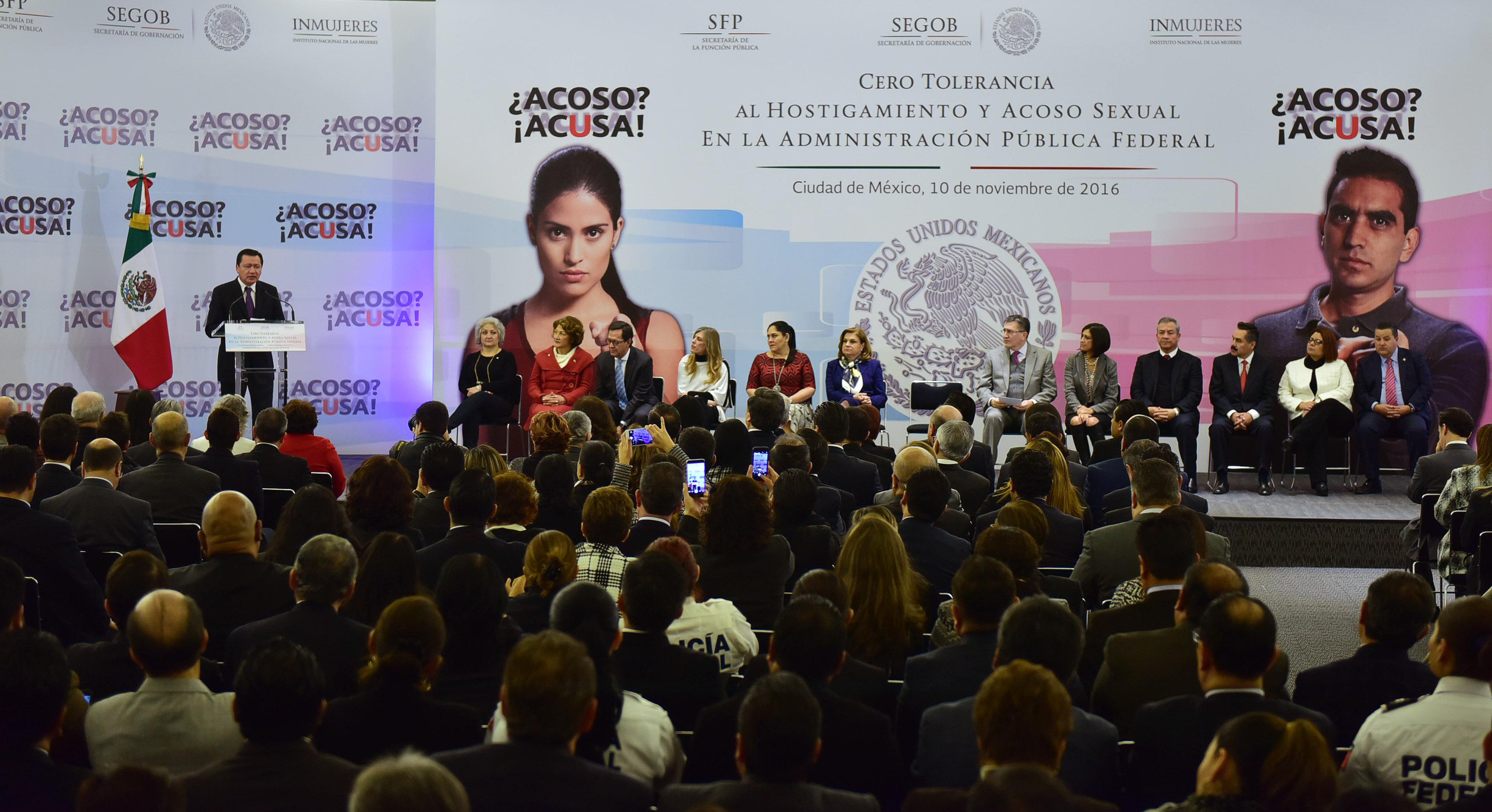 El Secretario de Gobernación, Miguel Ángel Osorio Chong, durante el pronunciamiento Cero Tolerancia al Hostigamiento y Acoso Sexual en la Administración Pública Federal