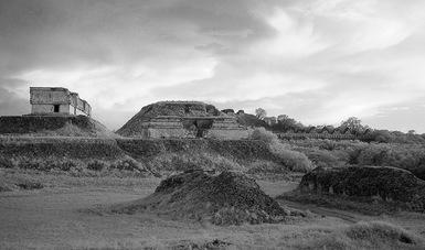 Reúnen 40 años de labor fotográfica de Armando Salas Portugal en el Centro Cultural Jardín Borda de Cuernavaca