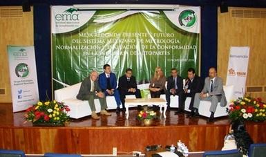 El Grupo Estratégico Regional de Querétaro, convocó a una mesa redonda para hacer sinergias entre las autoridades, cámaras, asociaciones, academia, centros de investigación, industria, etc.