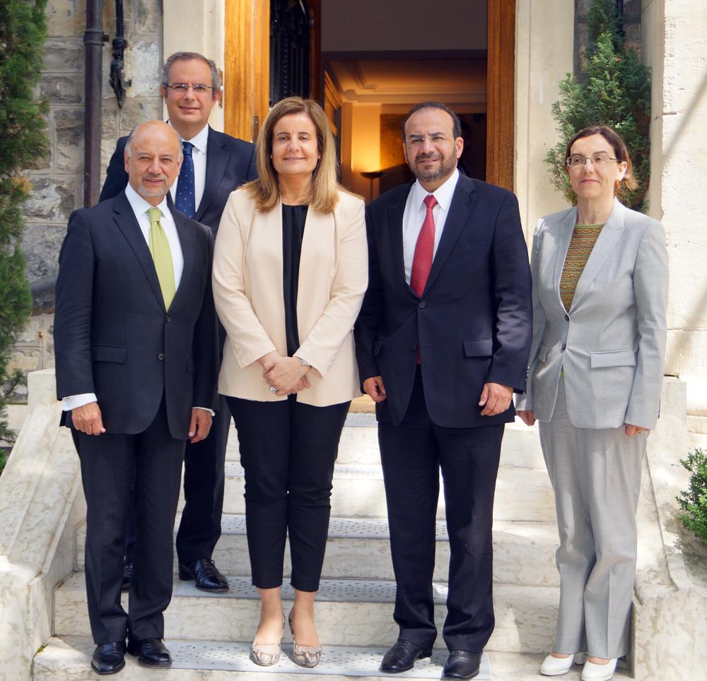 En el encuentro con la Ministra Fátima Báñez, el encargado de la política laboral de México compartió los resultados en materia laboral y las reformas estructurales llevadas a cabo por el Gobierno del Presidente Enrique Peña Nieto.