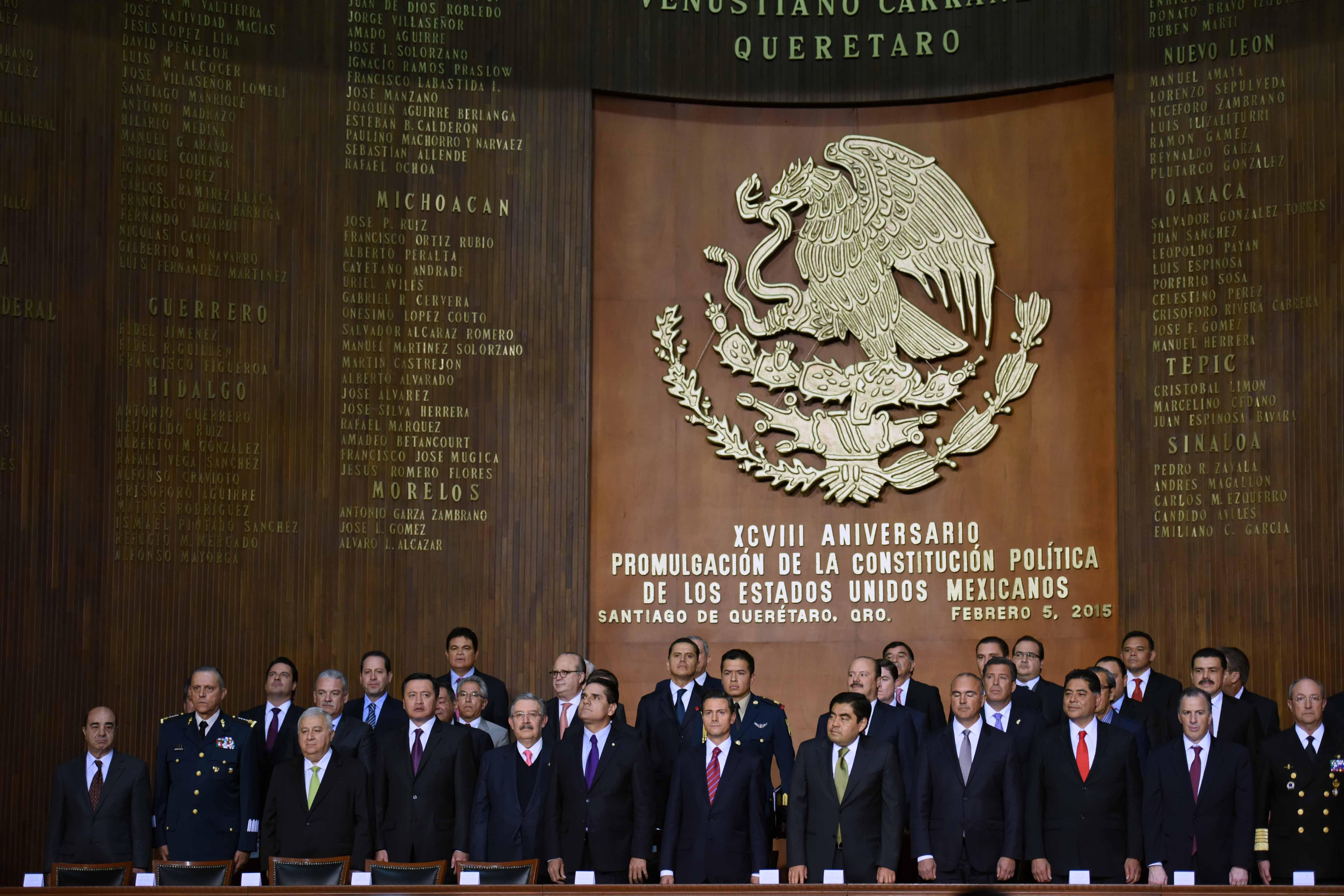 En la gráfica, en el Teatro de la República -donde la Carta Magna- se reunieron autoridades de los tres niveles de gobierno, entre ellos el titular de la SEDATU, Jorge Carlos Ramírez Marín.