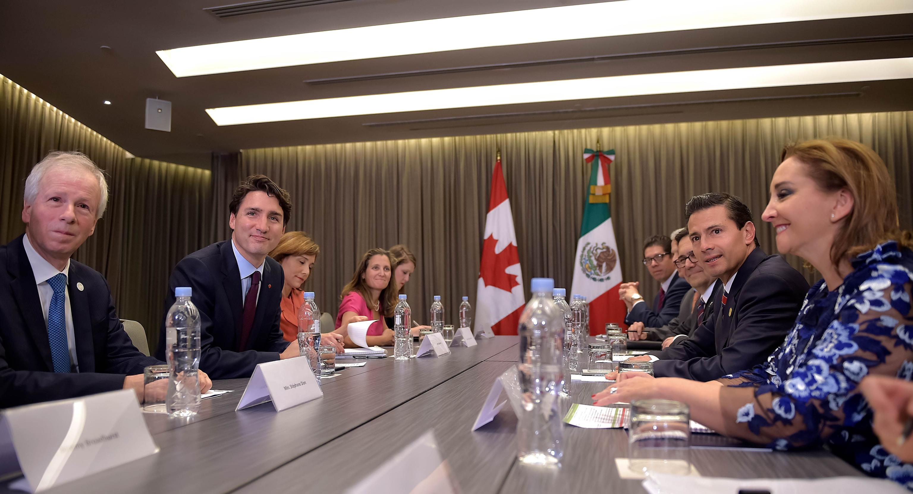 Both leaders said that, as partners, friends and allies, the two countries should collaborate continuously, closely and effectively to further promote North America as a competitive, prosperous region.