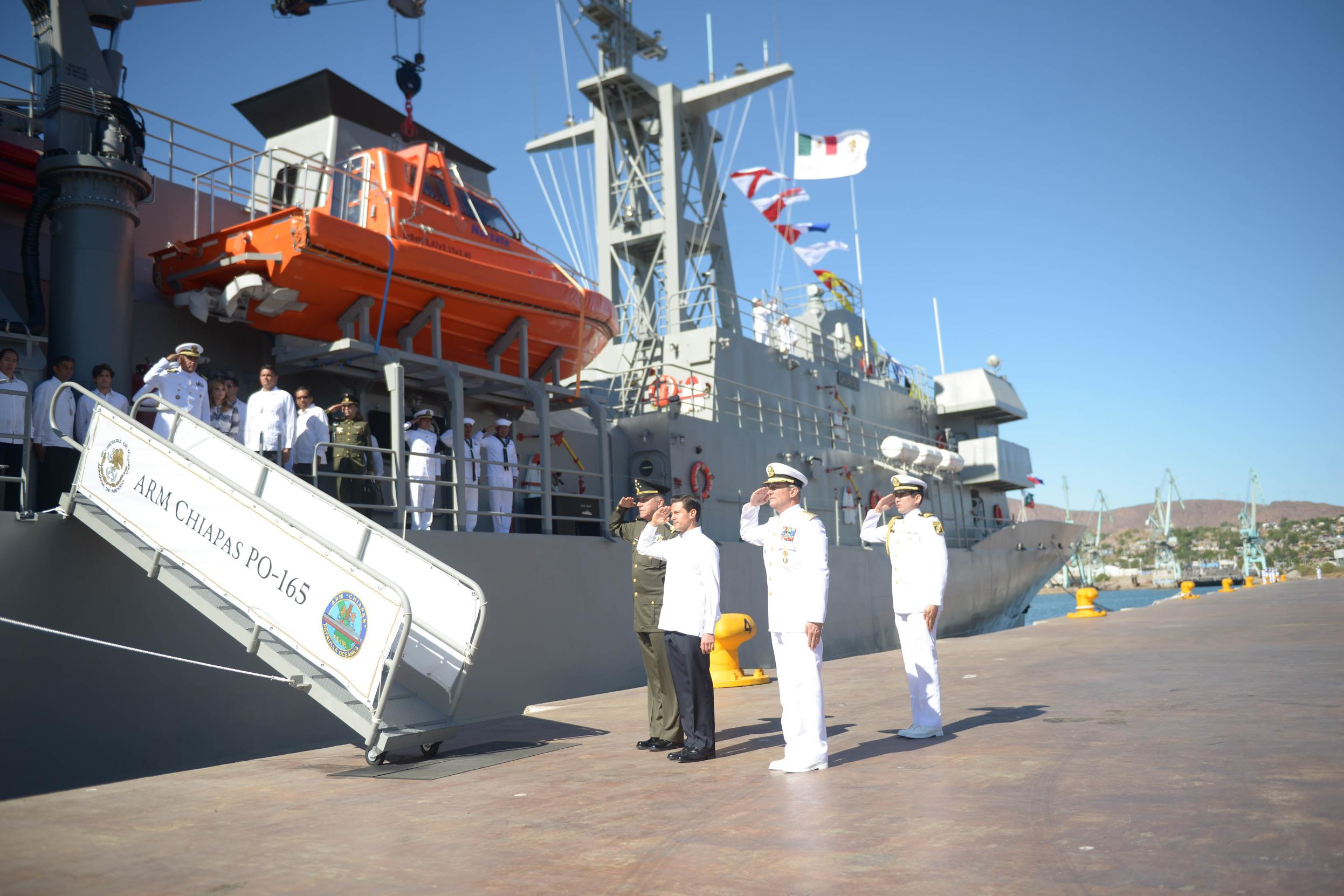 The president led the commemoration of Mexican Navy Day and the 50th Anniversary of the Navy Plan.