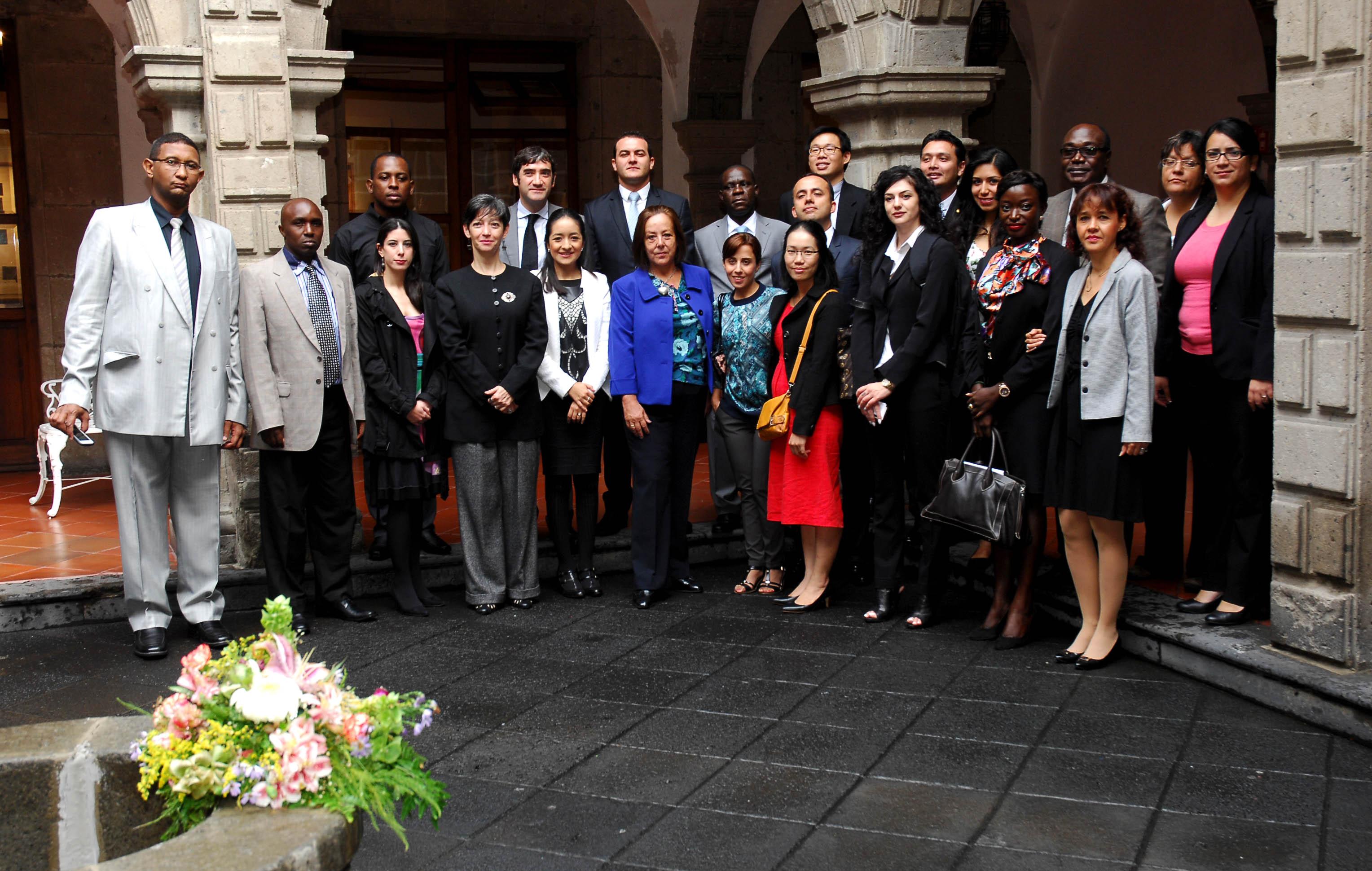 Inició el VII Curso de Español para Diplomáticos Extranjeros, en el que participan jóvenes diplomáticos de 14 naciones de África, Asia, Europa, Medio Oriente y América Latina