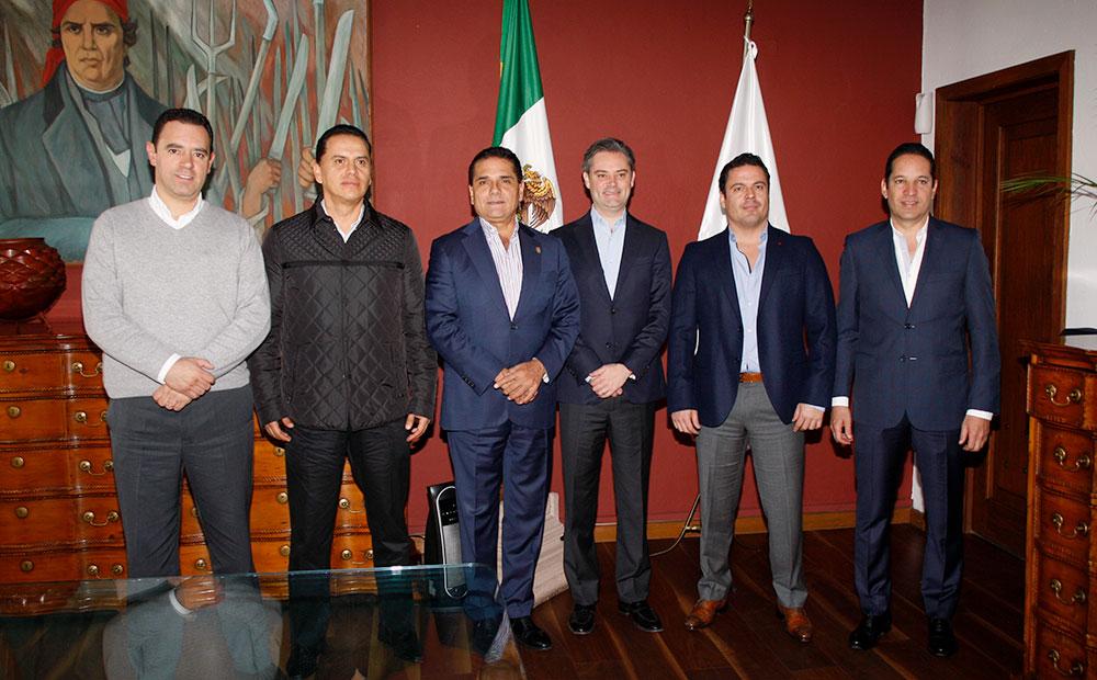 Reconoce Nuño Mayer el trabajo conjunto con los gobernadores para transformar la educación