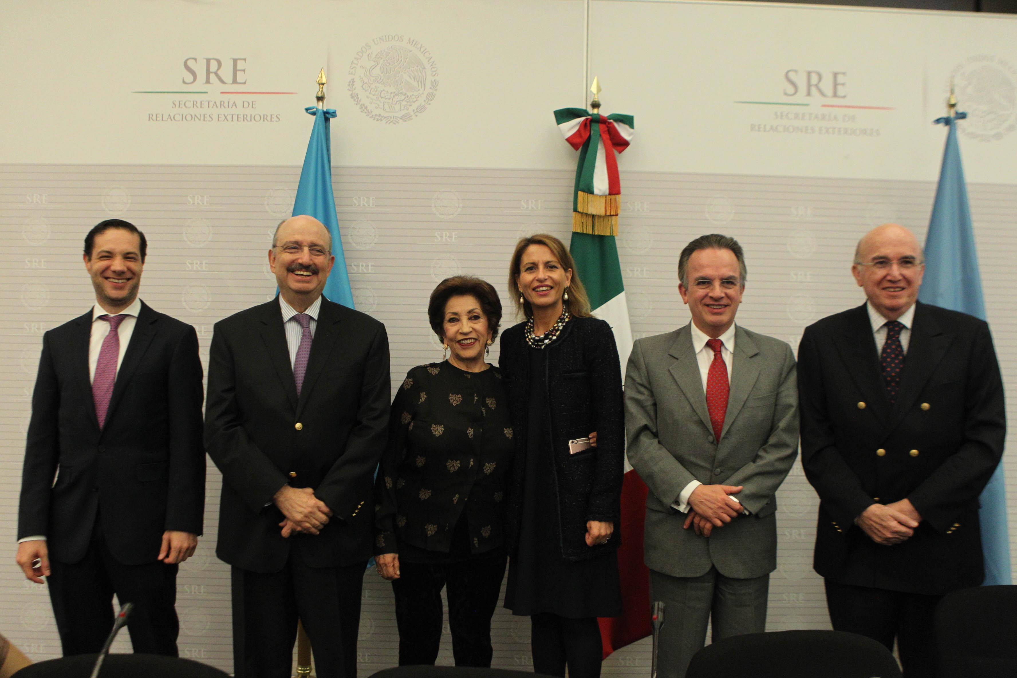 """Se presenta en la Cancillería la obra """"México y la UNESCO/la UNESCO y México: historia de una relación"""""""