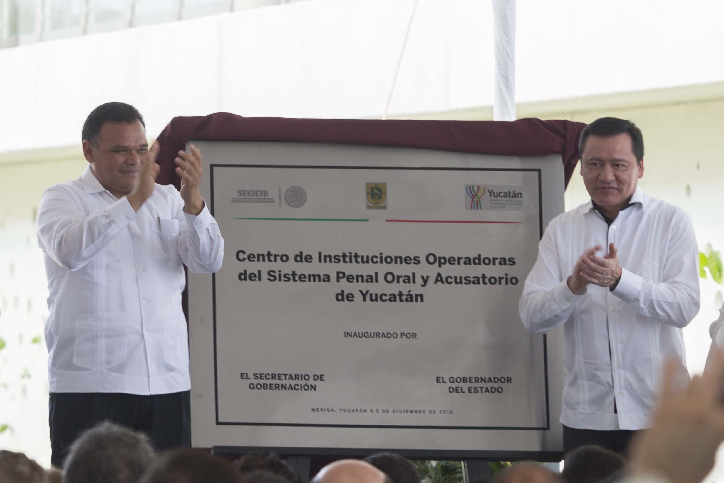 El Secretario de Gobernación, Miguel Ángel Osorio Chong, durante la inauguración de la Segunda Etapa del Centro de Justicia Oral de Yucatán