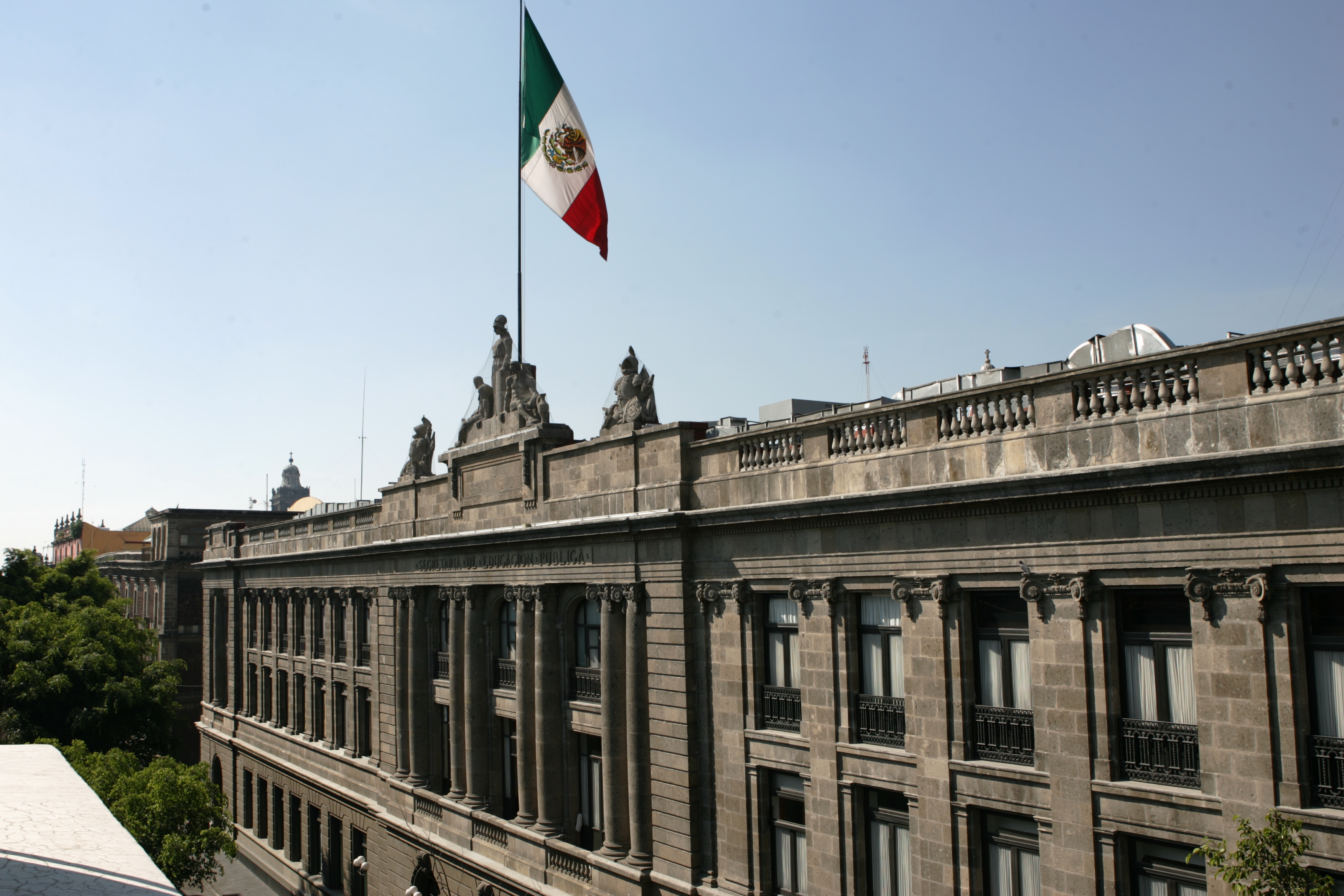 Se está reprogramando la evaluación docente a los sustentantes de Chiapas que fueron desalojados de las sedes el 20 de junio.