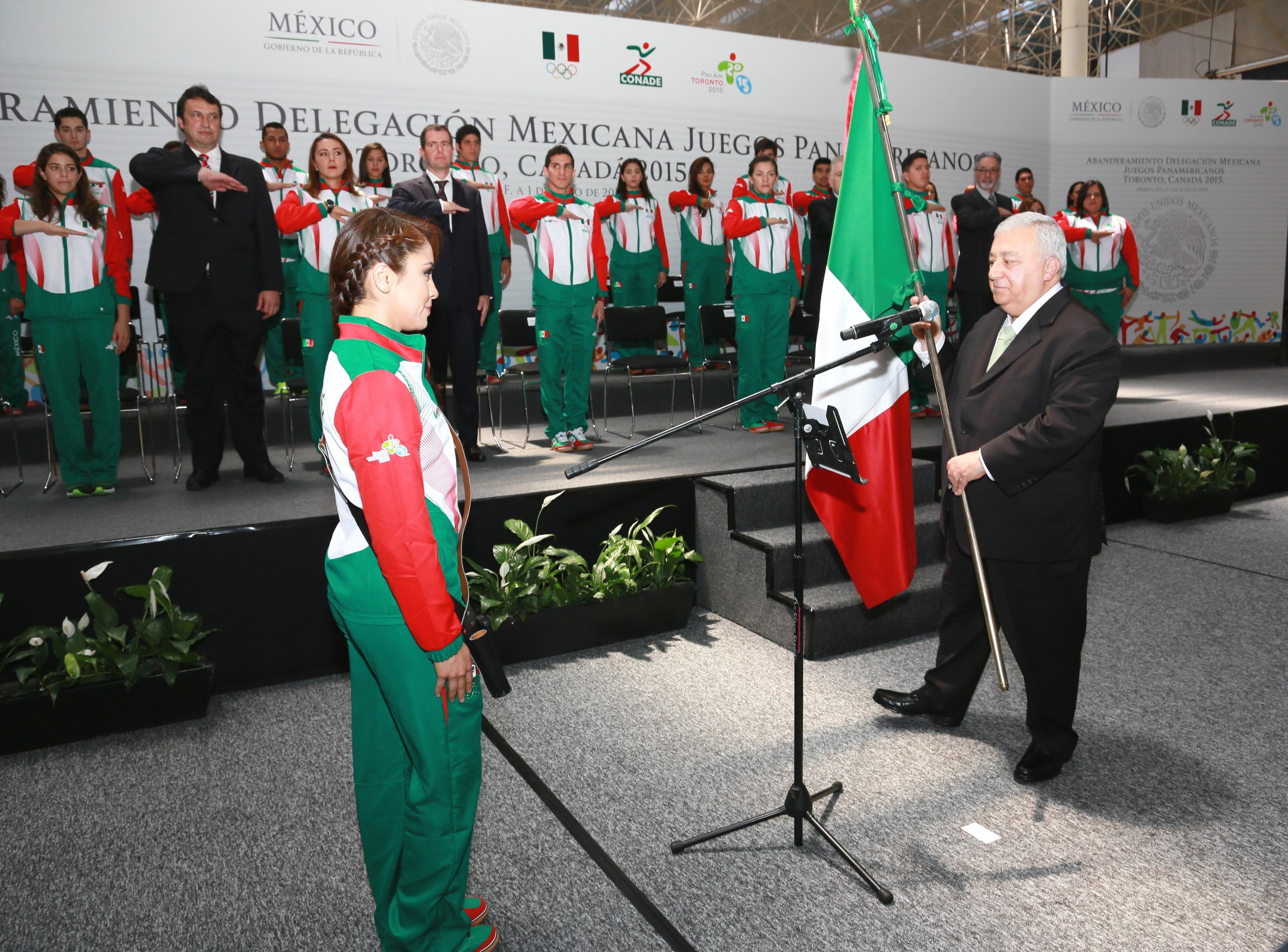 Con la representación presidencial, el secretario de Educación Pública abanderó a la delegación que participará en los XVII Juegos Panamericanos
