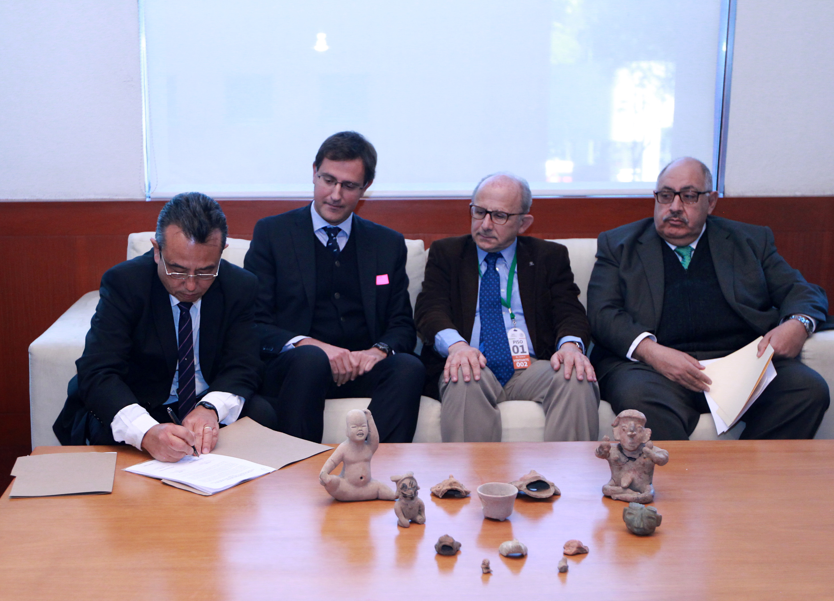 Recuperación de 12 piezas arqueológicas mexicanas