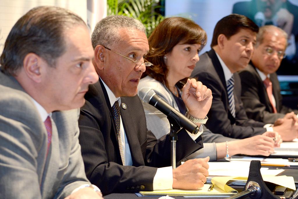 Fortalece la SCT la seguridad de la aviación en México