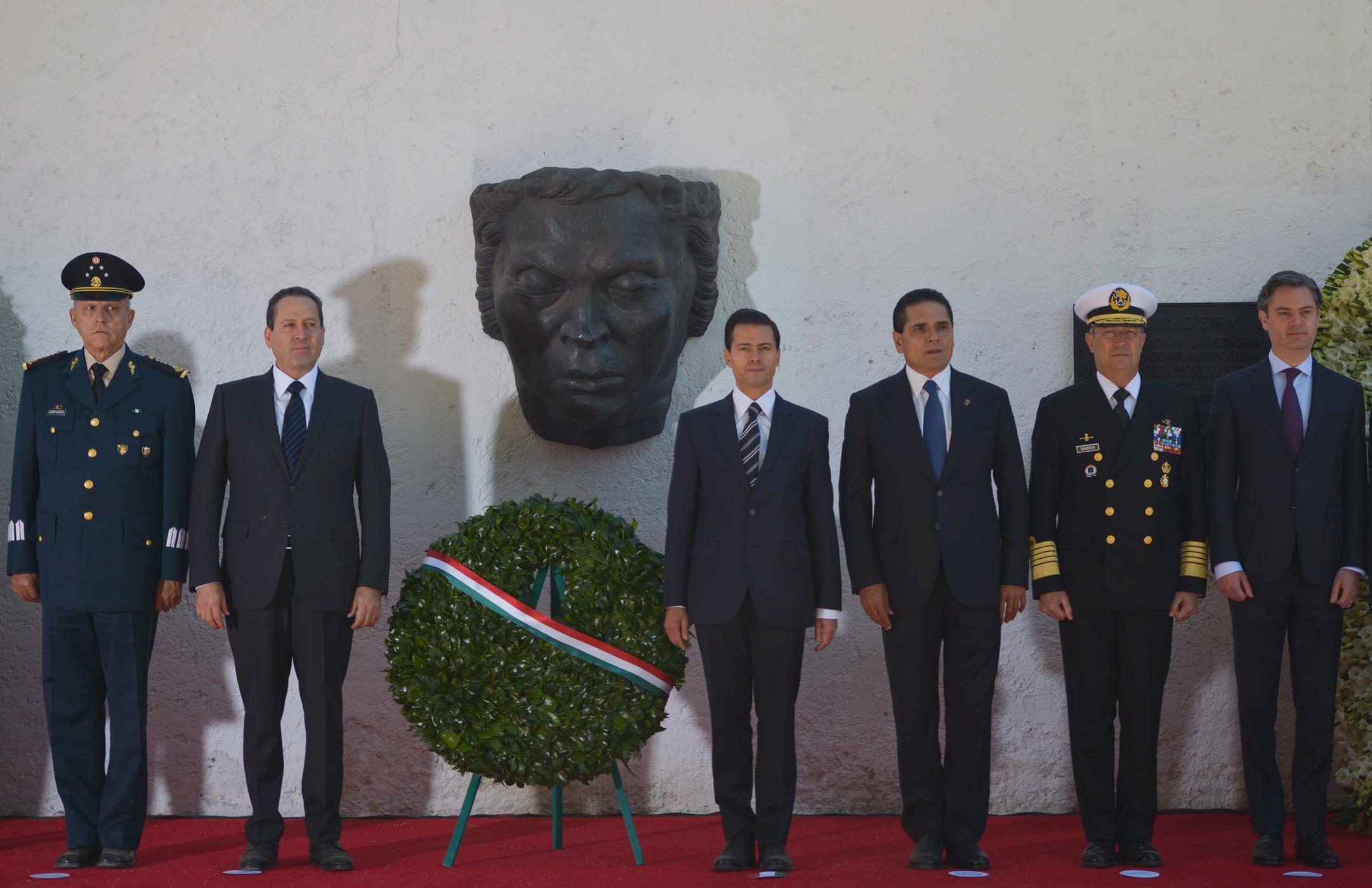 El Primer Mandatario encabezó la Ceremonia Conmemorativa del 201 Aniversario de la Muerte del Generalísimo José María Morelos y Pavón.
