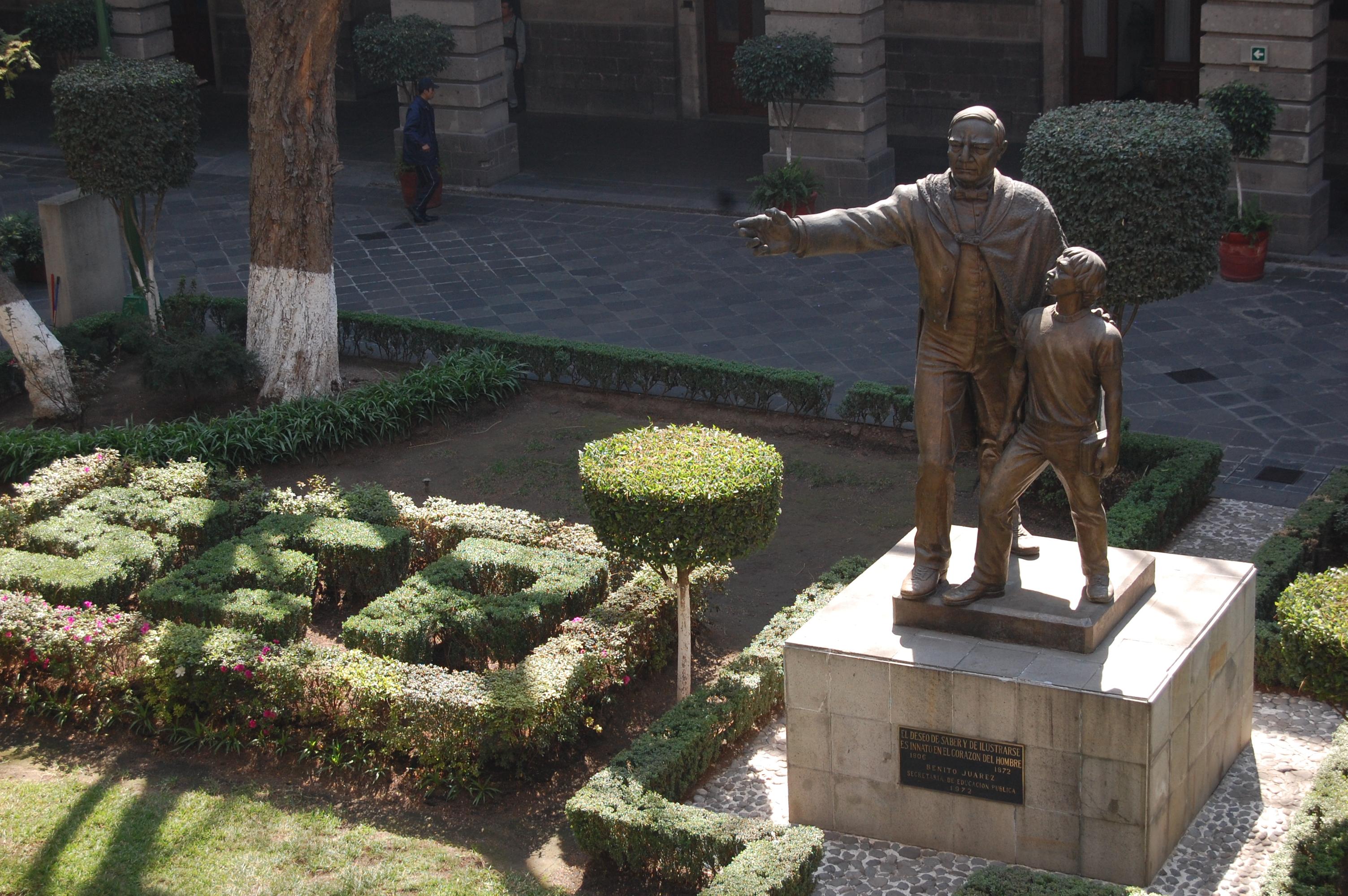 Desde el 2001, se han visto beneficiados alrededor de 4 mil niños y jóvenes mexicanos, con el Programa Maestros Visitantes