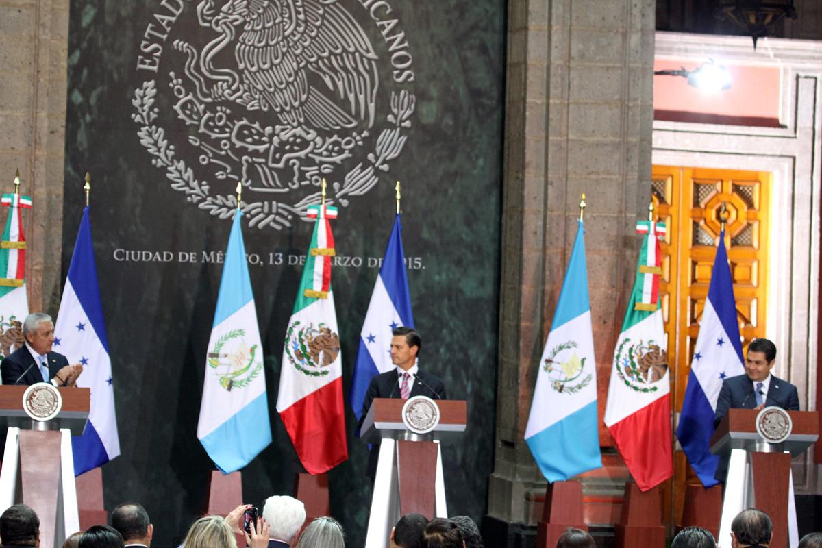 El Presidente de la República, Enrique Peña Nieto dio la bienvenida en Palacio Nacional, al Presidente de la República de Guatemala, Otto Pérez Molina en visita oficial.