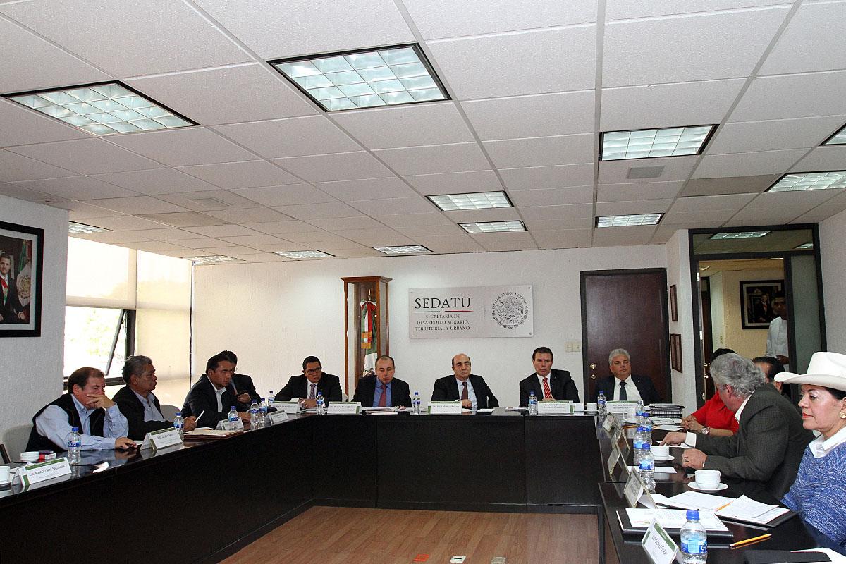 El titular de SEDATU encabezó audiencias con representantes de 21 organizaciones campesinas reiteró que el Gobierno de la República dialoga, escucha y atiende  a los trabajadores del campo.