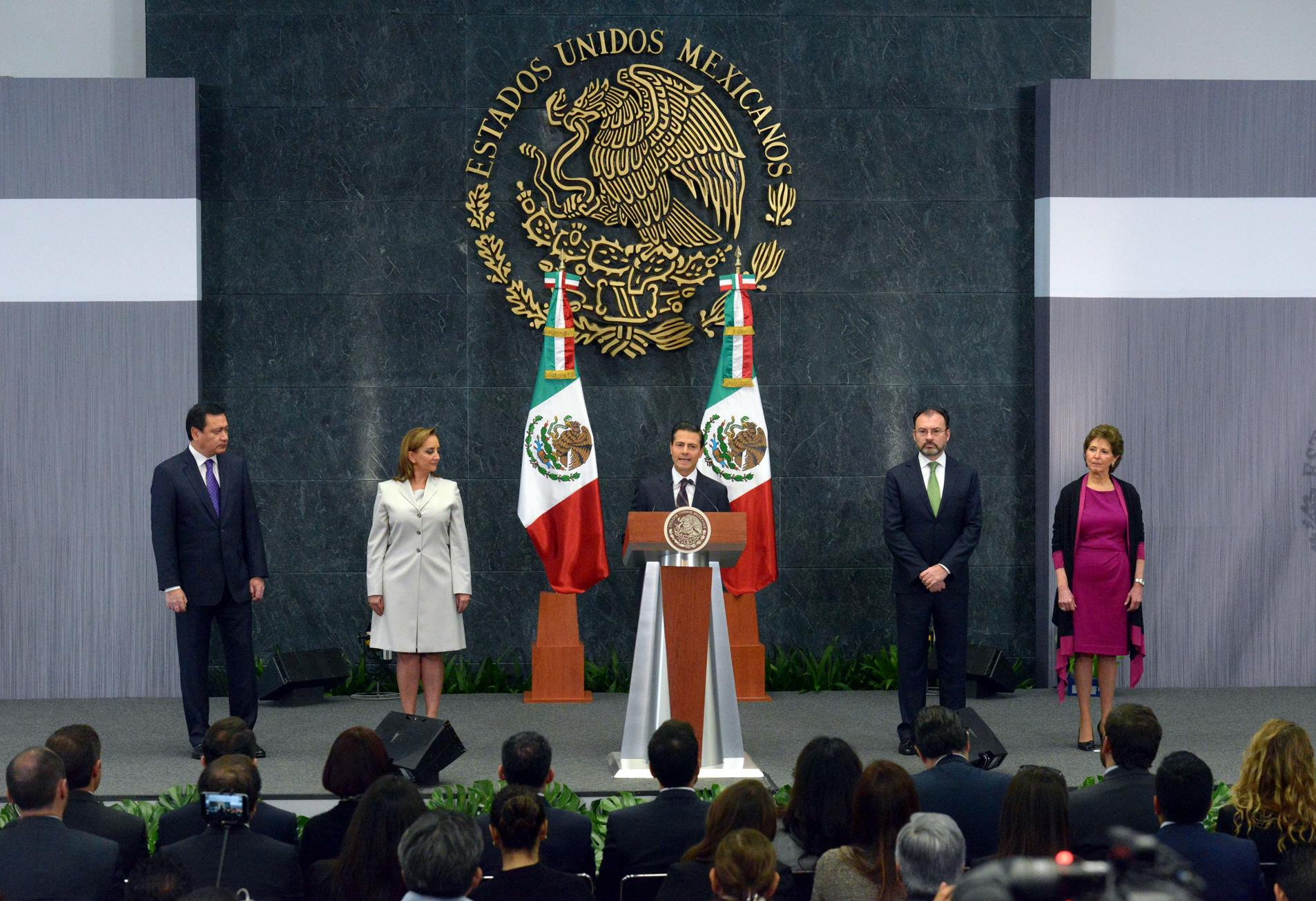 As for the new Secretary of Culture, President Peña Nieto said that Maria Cristina García Cepeda has spent over 30 years contributing to our country's cultural policy.