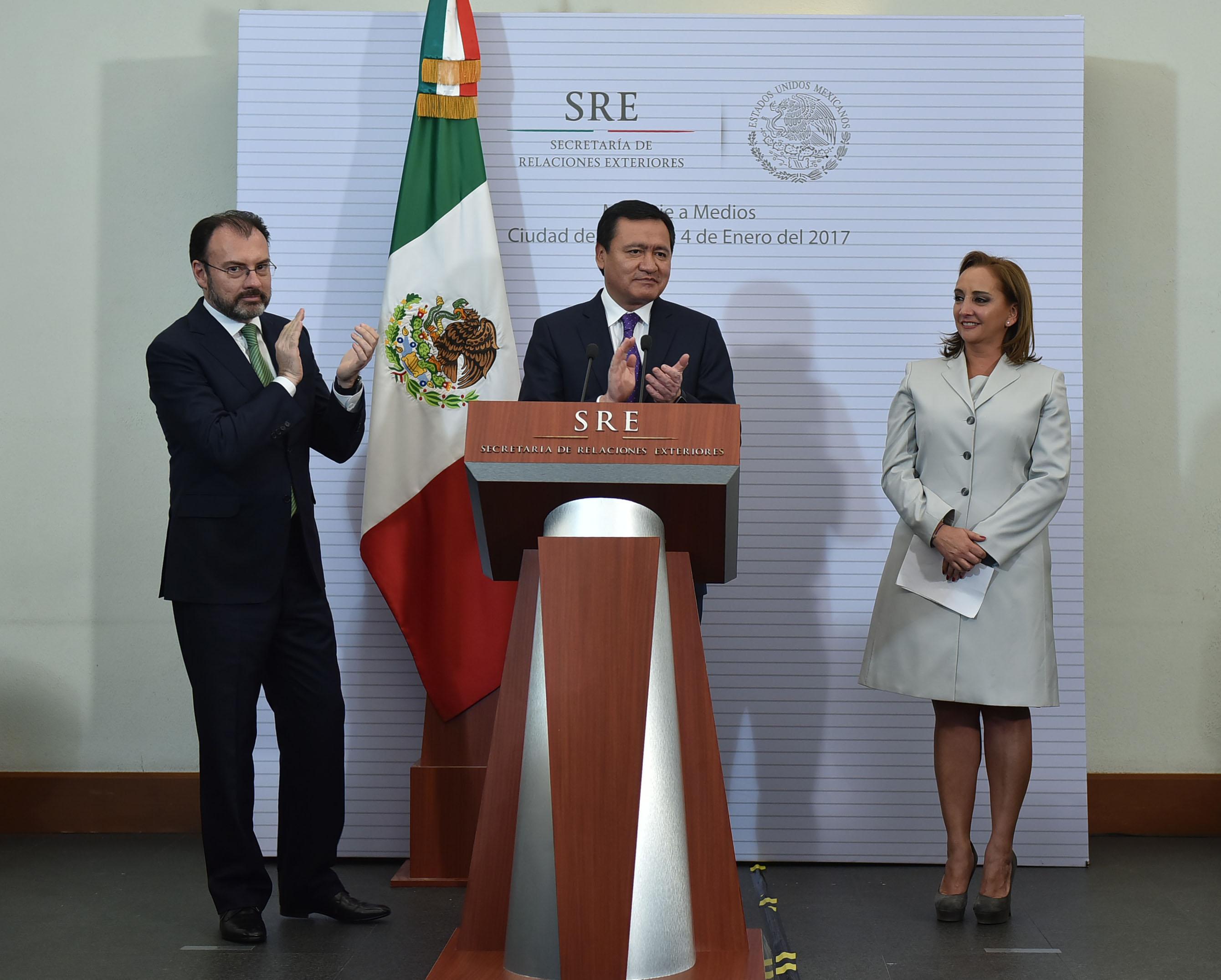 Mensajes de Claudia Ruiz Massieu y Luis Videgaray Caso, Secretario de Relaciones Exteriores, tomar posesión como titular de la dependencia.