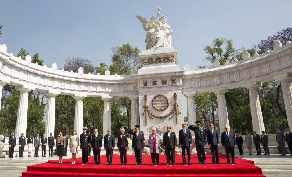 El Presidente de la República, Enrique Peña Nieto recordó el legado histórico del ex presidente Benito Juárez García para consolidar un gobierno republicano en México a través de un marco jurídico que sigue vigente.