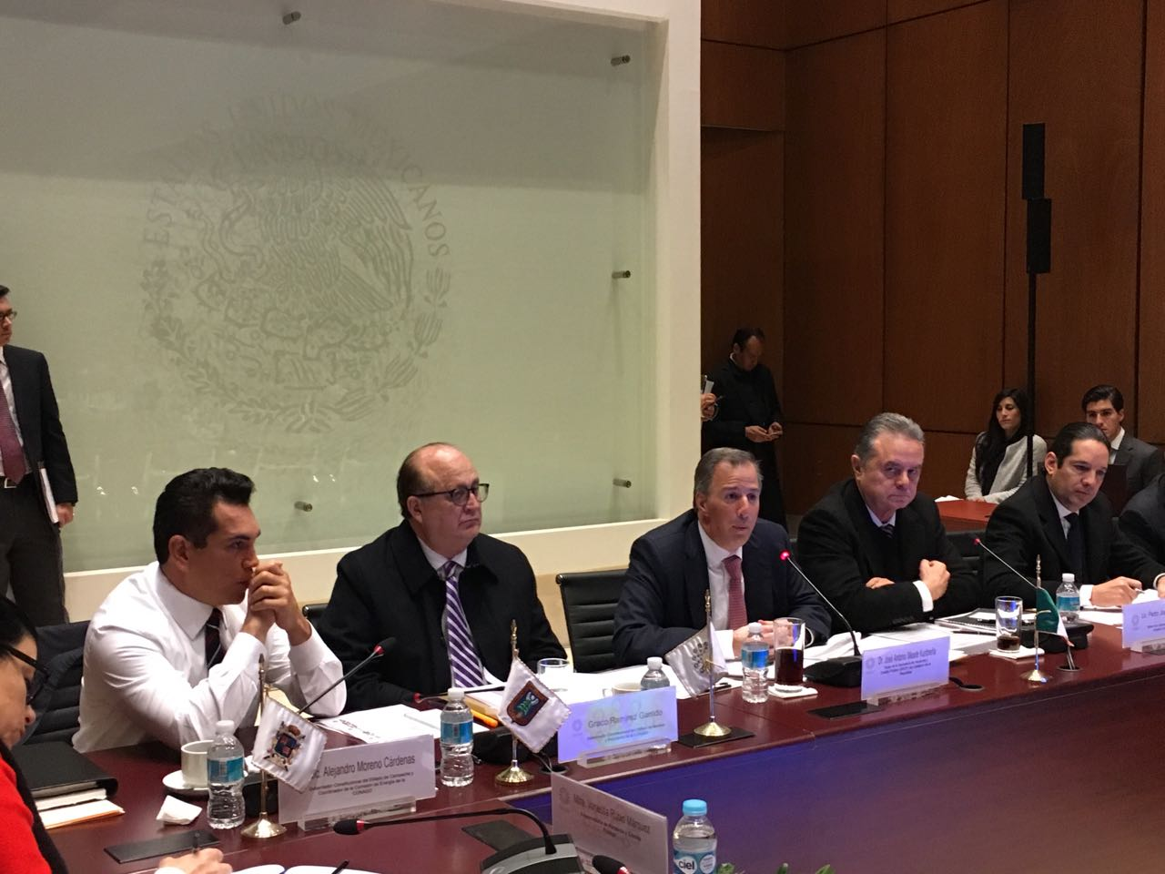 El secretario Meade se reunió con integrantes de las comisiones de Hacienda y Energía de la Conago