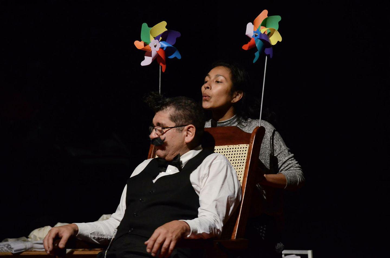 Señor Clarini / Obra basada en la figura del famoso clown Ricardo Bell, construida como un ejercicio de memoria a cargo del clown Aziz Gual, se presentará en el Teatro Helénico hasta el 6 de marzo.