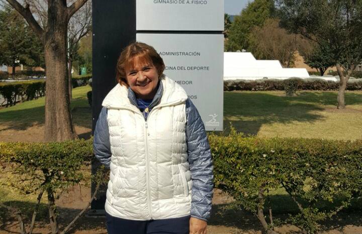 La entrenadora nacional de nado sincronizado, Adriana Loftus
