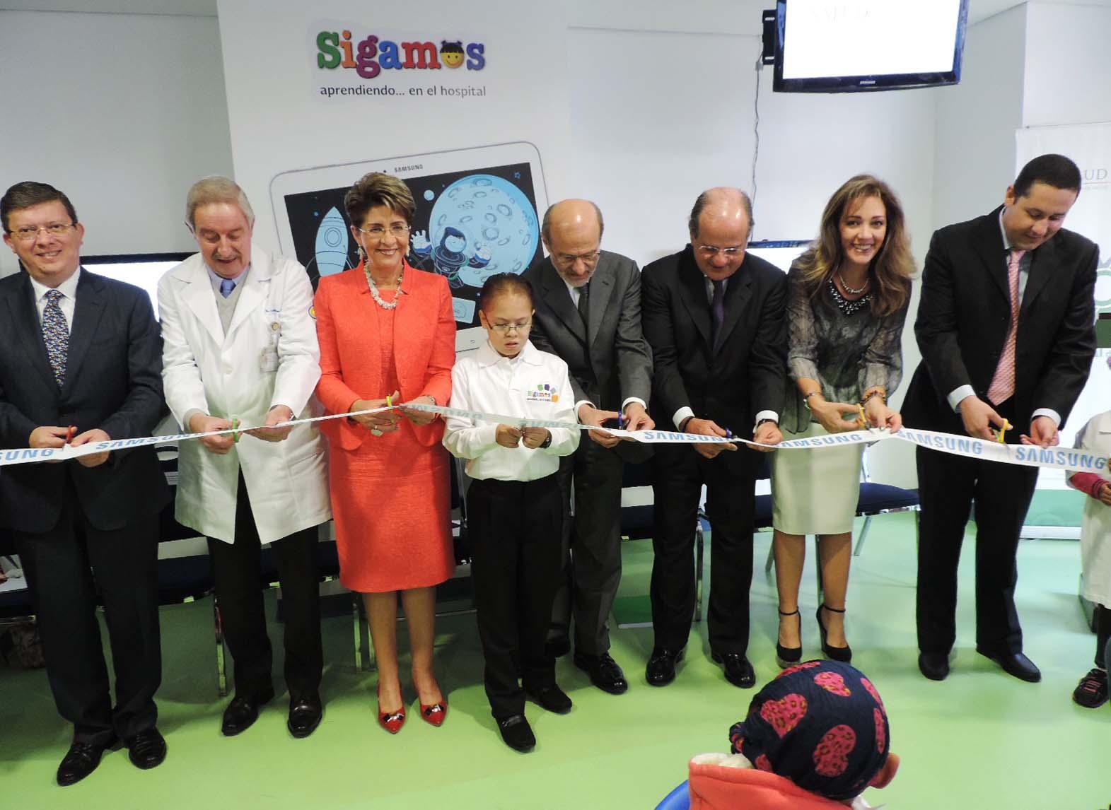 """Inauguración del Aula Digital Smart School de Samsung en el Hospital Infantil de México """"Federico Gómez"""" (HIMFG)"""