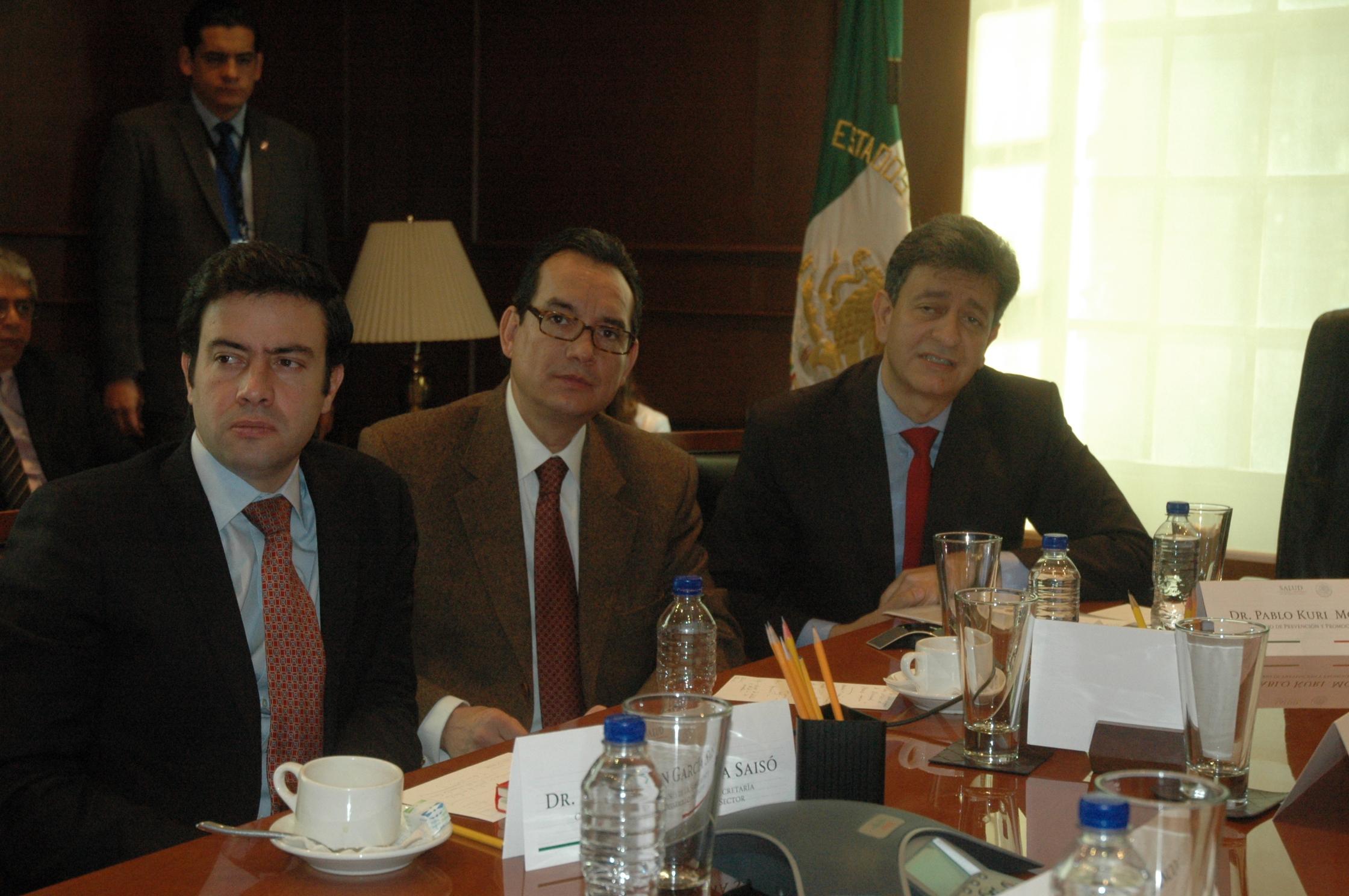 Videoconferencia con las 32 Secretarías Estatales de Salud