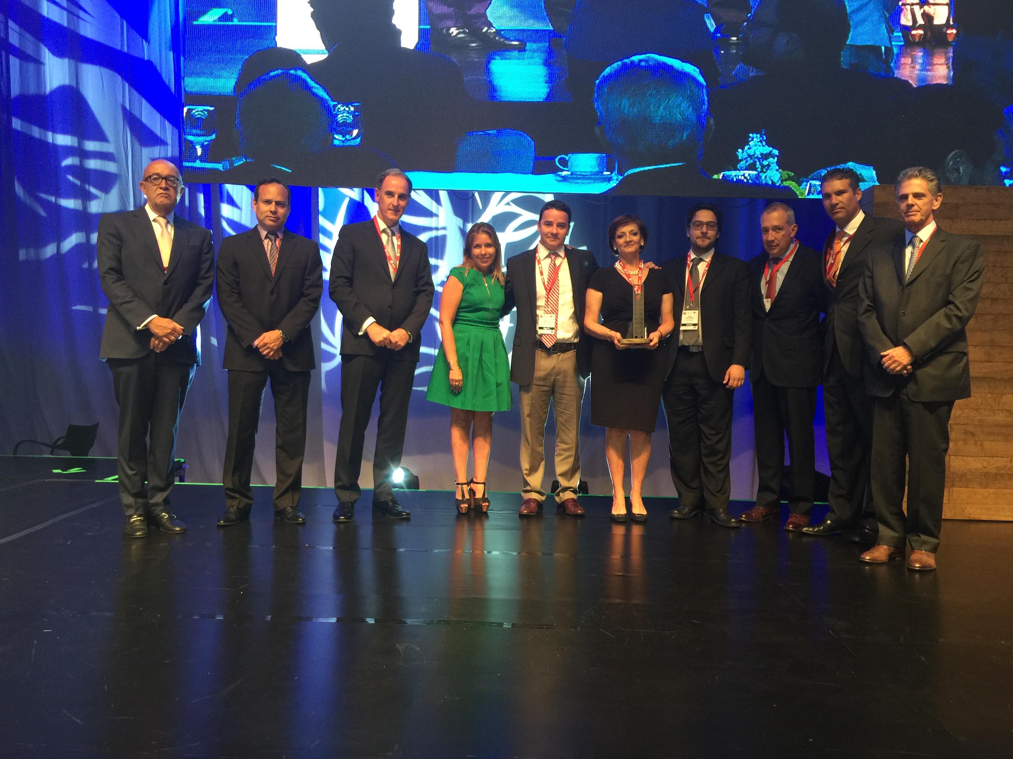 En la imagen, Paloma Silva, titular de CONAVI, destacó la importancia del sector inmobiliario durante evento organizado por la Asociación de Desarrolladores Inmobiliarios.