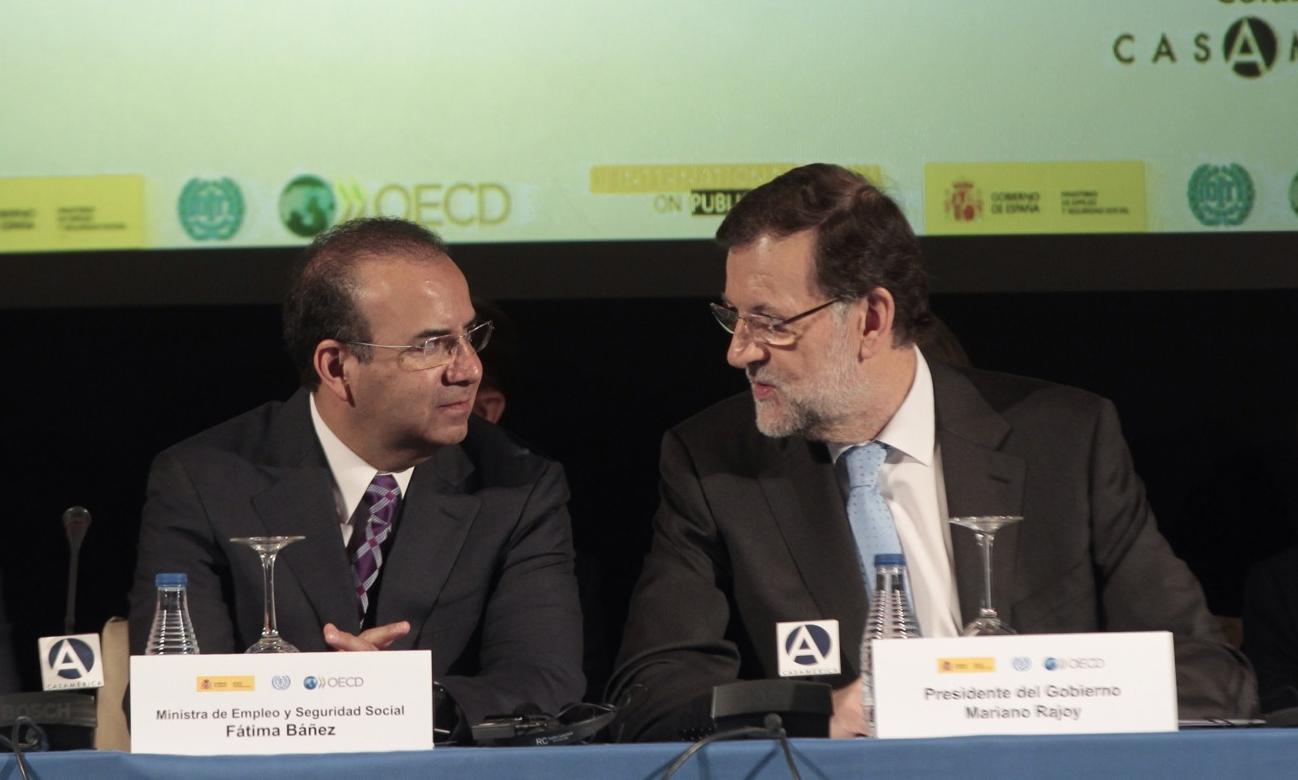 El Secretario del Trabajo y Previsión Social, Alfonso Navarrete Prida durante la reunión que puso en marcha el Presidente del Gobierno de España, Mariano Rajoy.