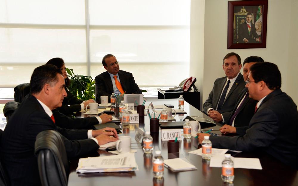 El Secretario del Trabajo y Previsión Social, Alfonso Navarrete Prida, se reunió con el Presidente de la Confederación de Cámaras Nacionales de Comercio, Servicios y Turismo, Ing. Enrique Solana Sentíes.