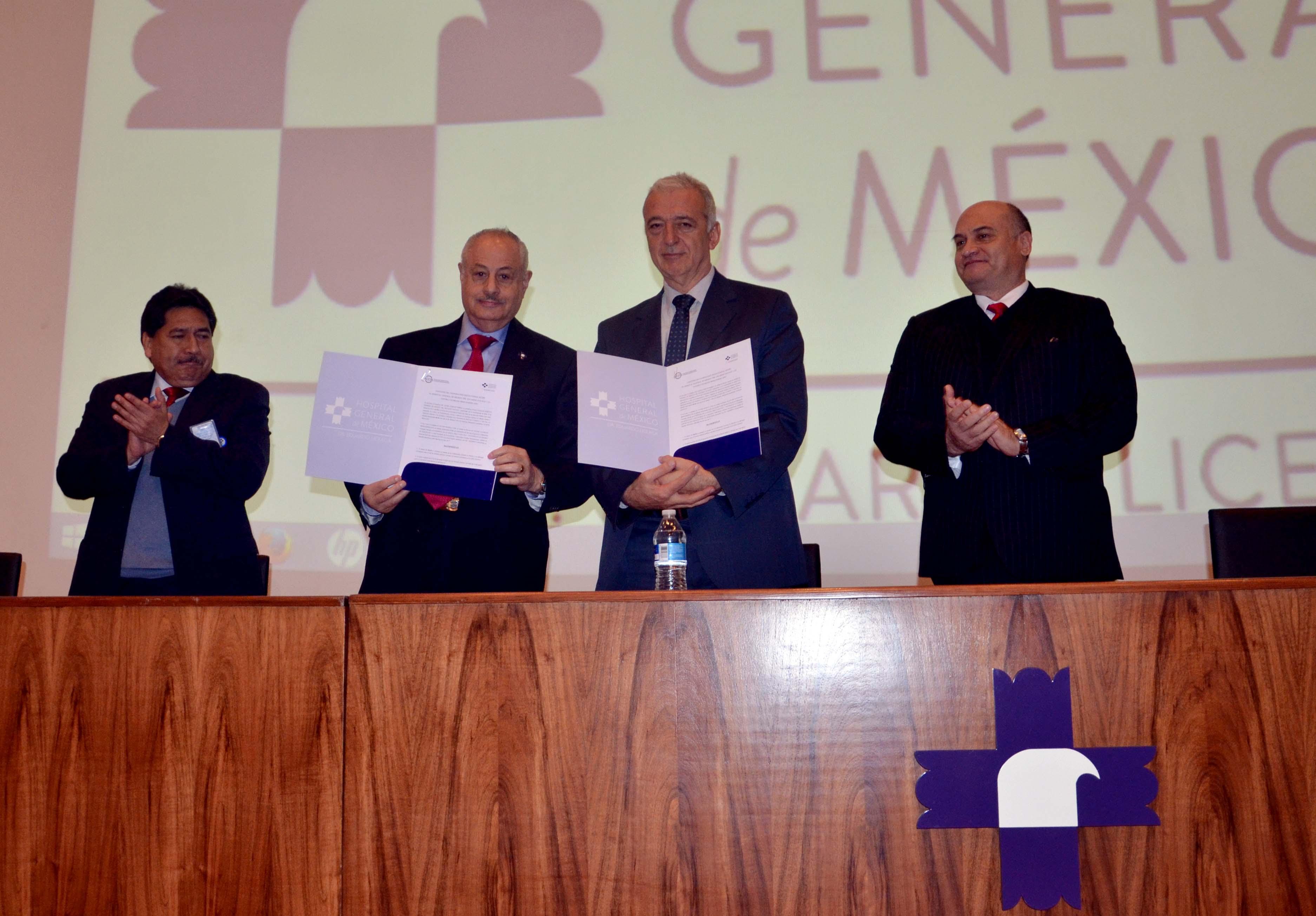 """El doctor César Athié Gutiérrez, director general del Hospital General de México """"Dr. Eduardo Liceaga"""", firmó un convenio de colaboración con el Centro Cochrane Iberoamericano"""