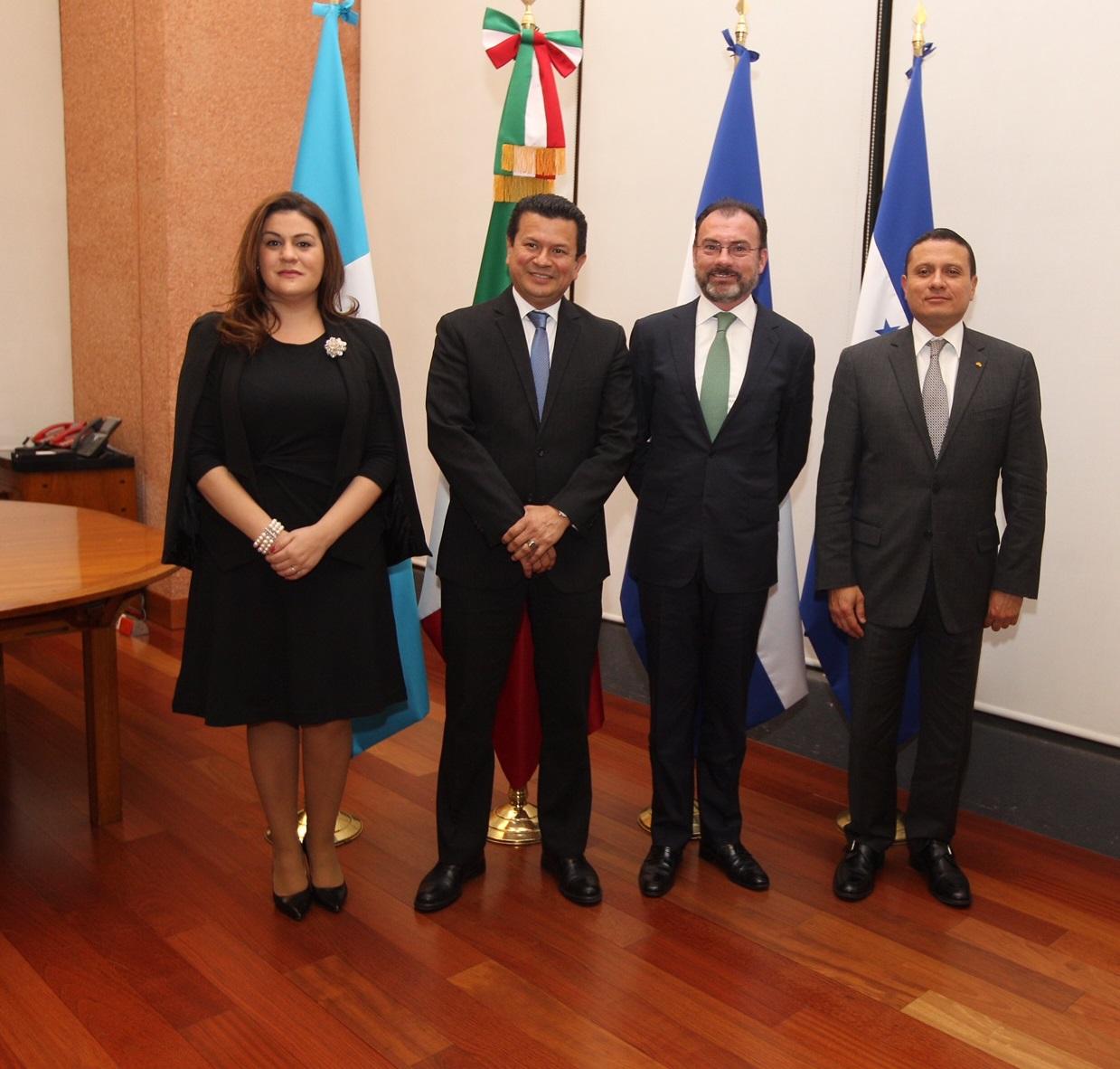 Cancilleres Centroamericanos Del Tri Ngulo Norte Visitan Al Secretario Luis Videgaray Caso