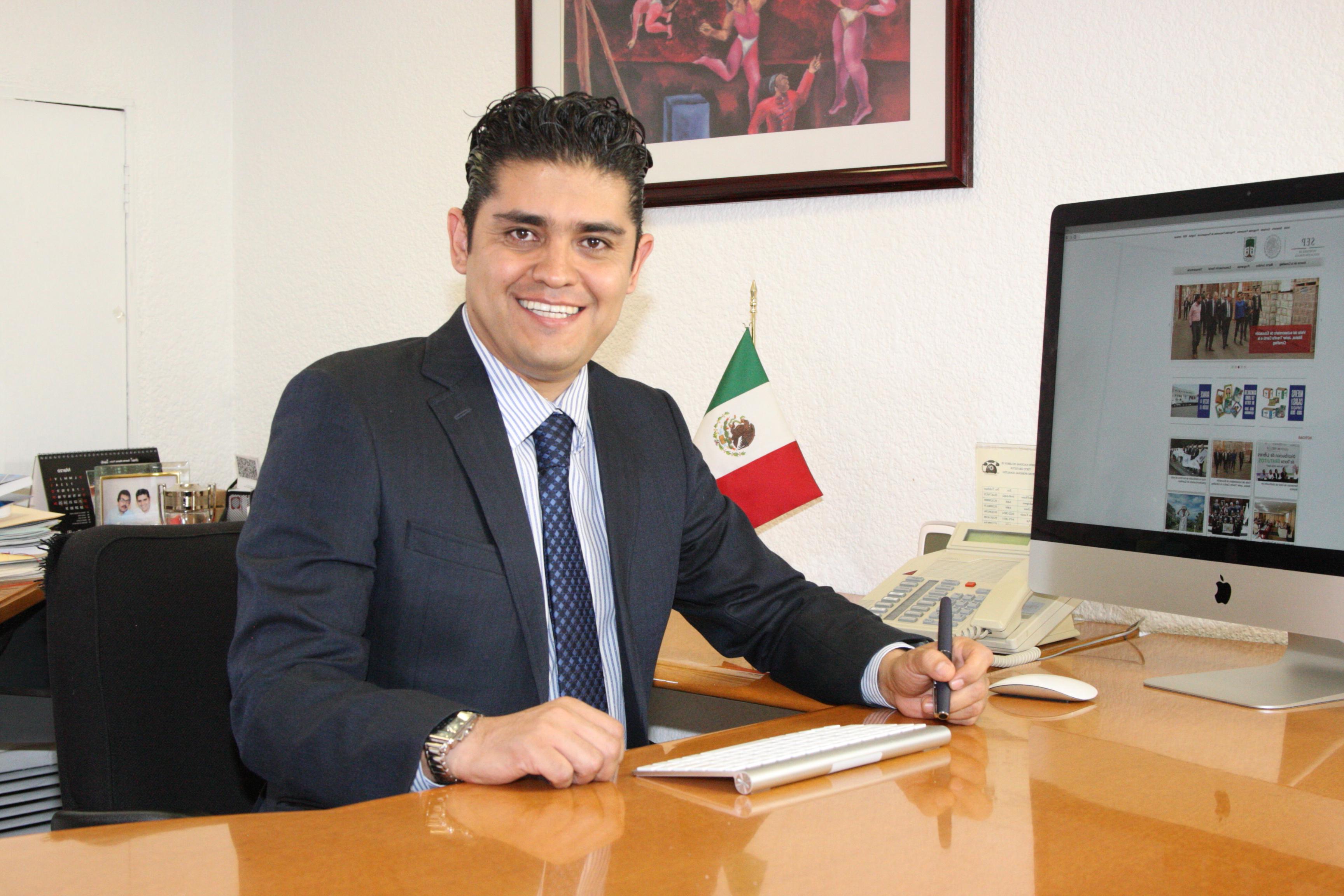 Titular de la Unidad de Informática. Leonardo Campos Pérez