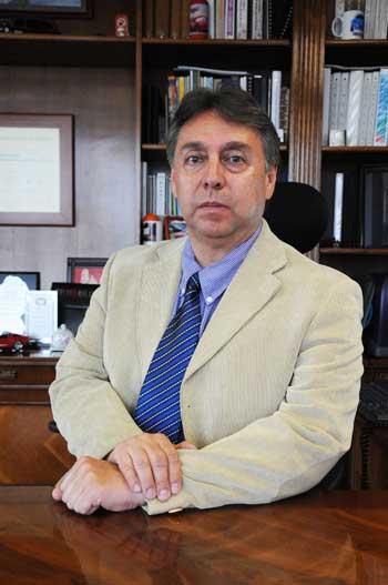 Director de Servicios en Exploración y Producción
