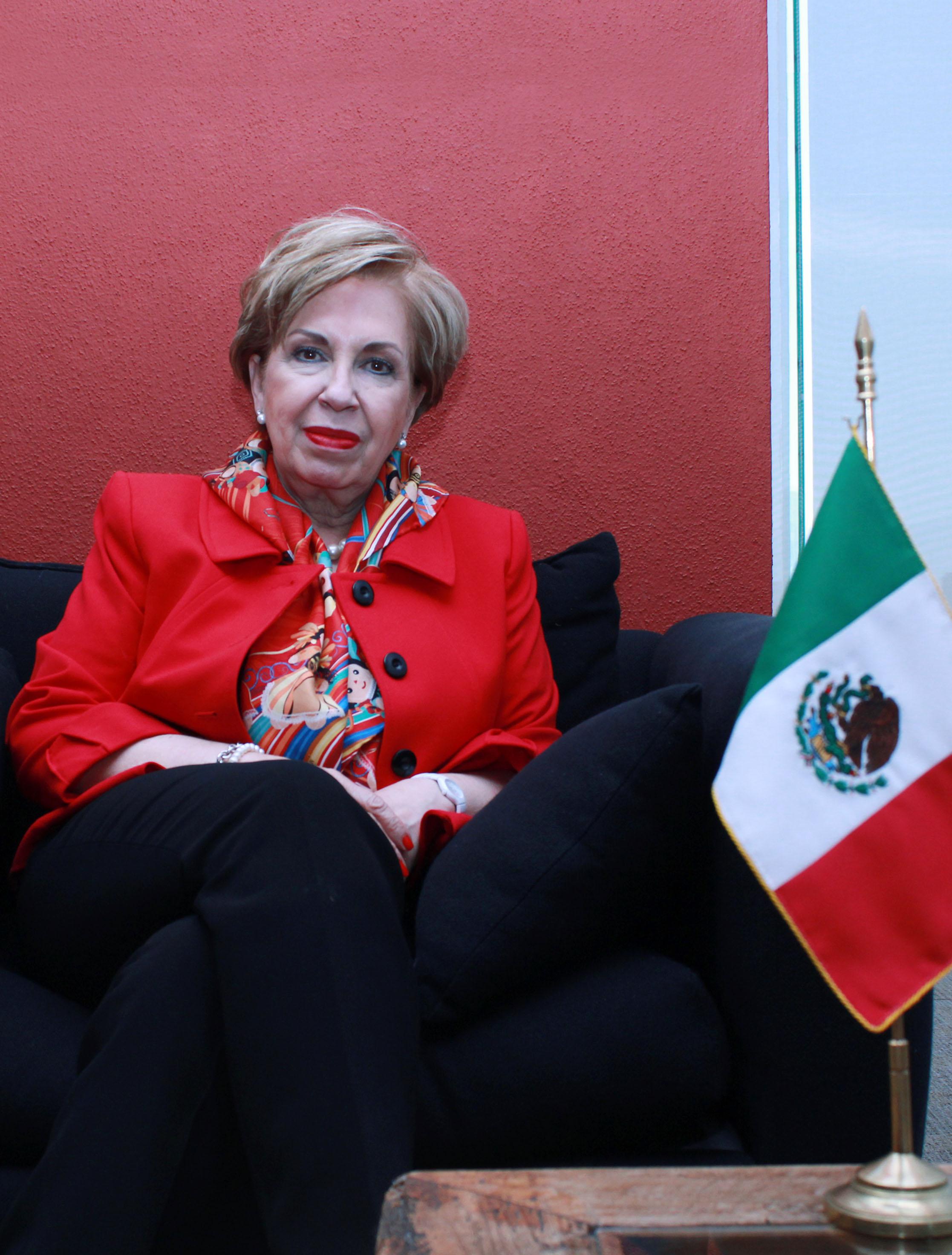 La Dra. Martha Navarro Albo es Directora General de Cooperación Técnica y Científica y Coordinadora General de Proyecta 100,000 y Proyecta 10,000.