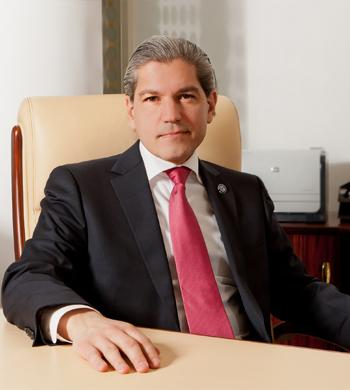 Subsecretario de Hidrocarburos, Dr. Aldo Flores Quiroga