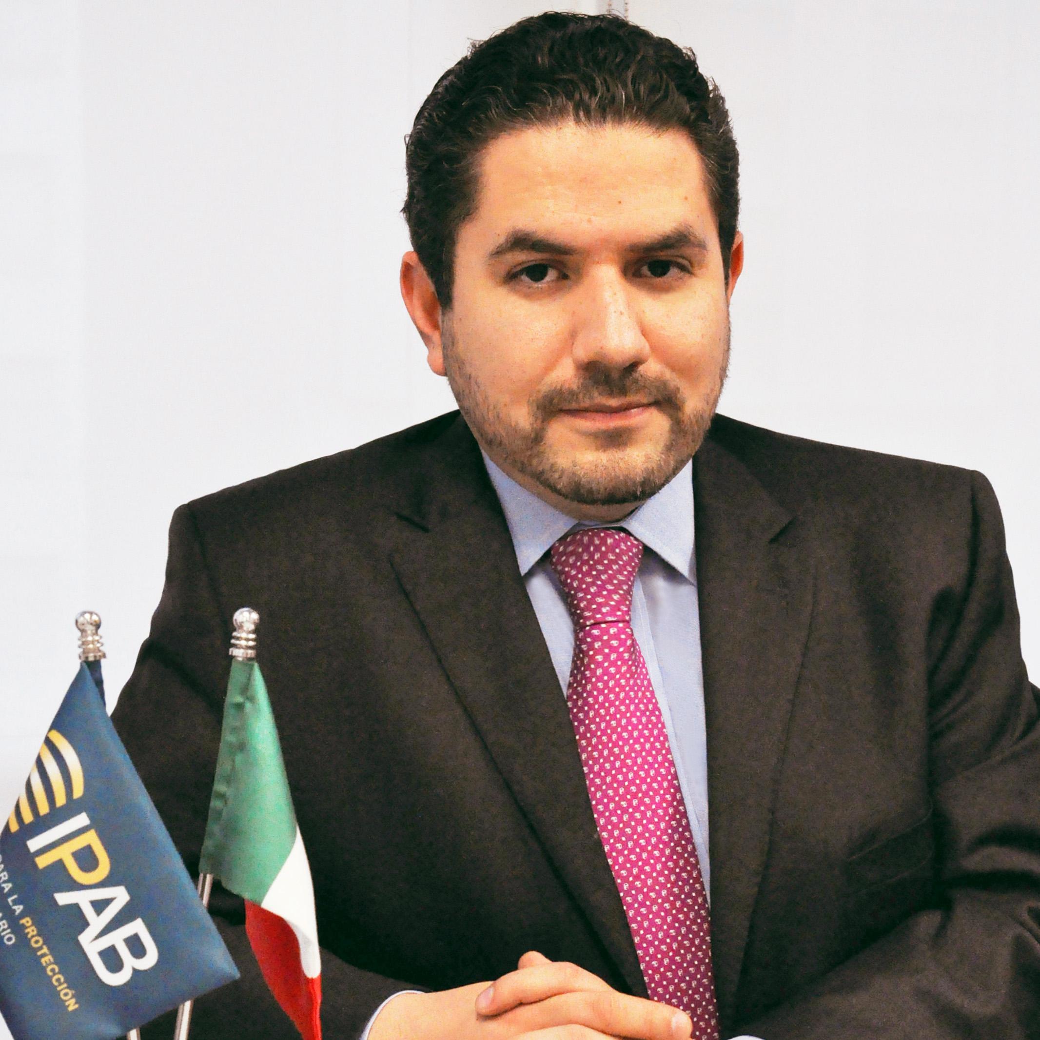 Raúl Castro, Secretario Adjunto de Protección al Ahorro Bancario.