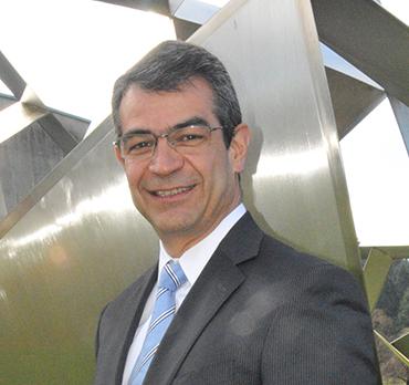 Mtro. Hernán Rico Núñez  Director de Administración