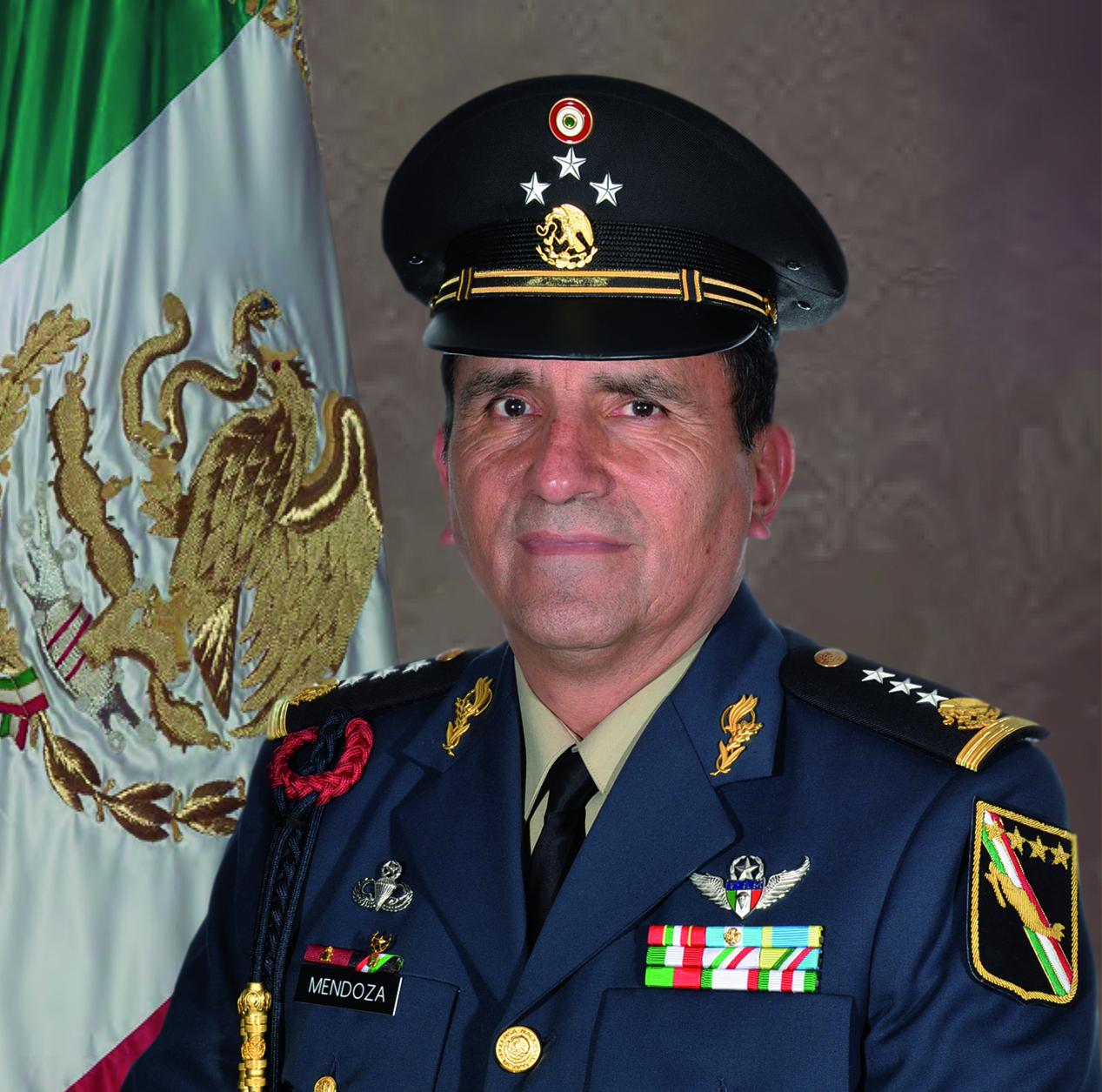 General de División Diplomado de Estado Mayor Homero Mendoza Ruiz.