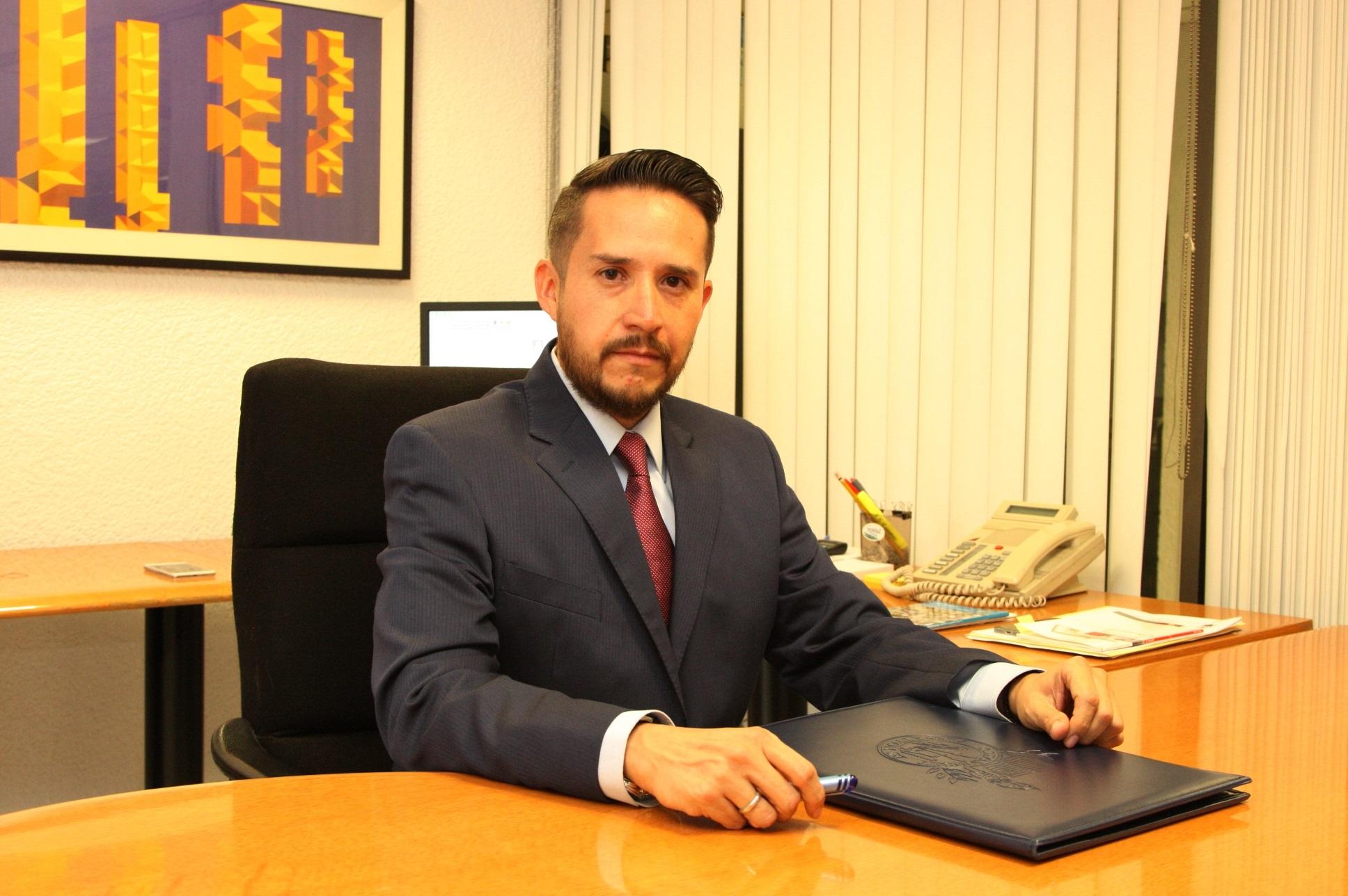 Elesban Jaime Solano Amador. Director de Recursos Humanos