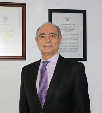 Lic. José Luis Calderón Arozqueta.