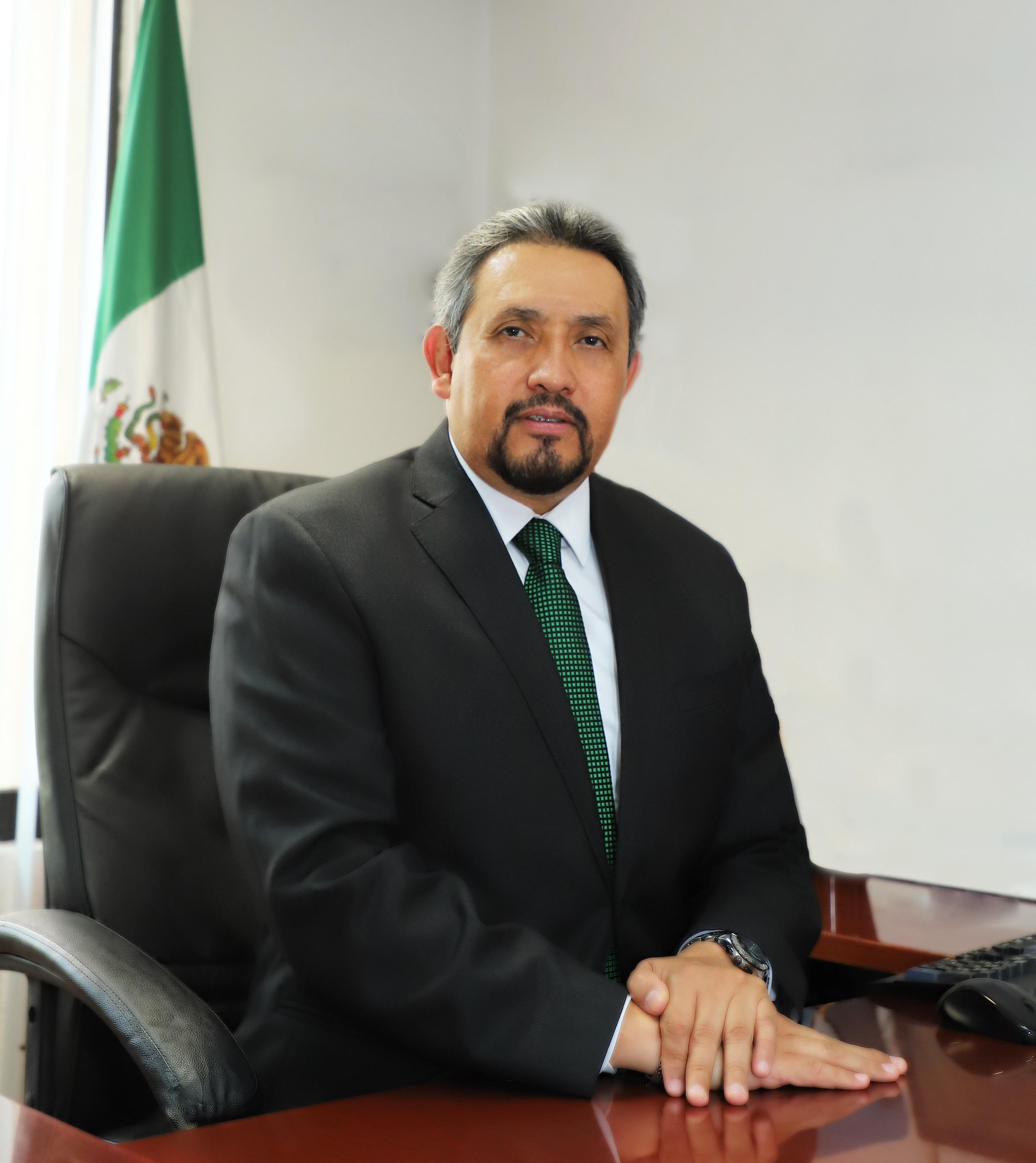 Lic. Luis Ocampo Gómez Subdirector General Jurídico