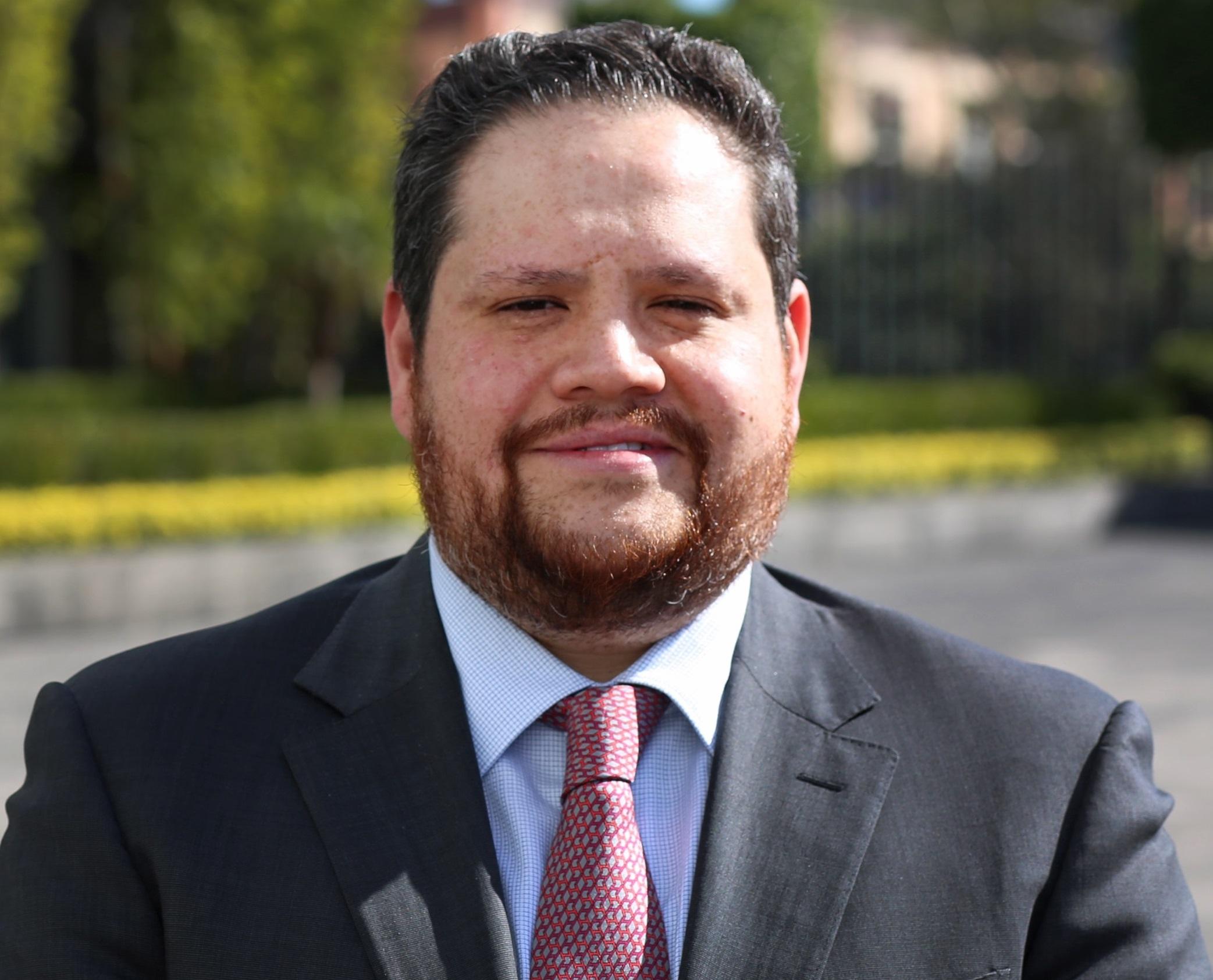 Eduardo Seldner Ávila, Subdirector General de Administración.