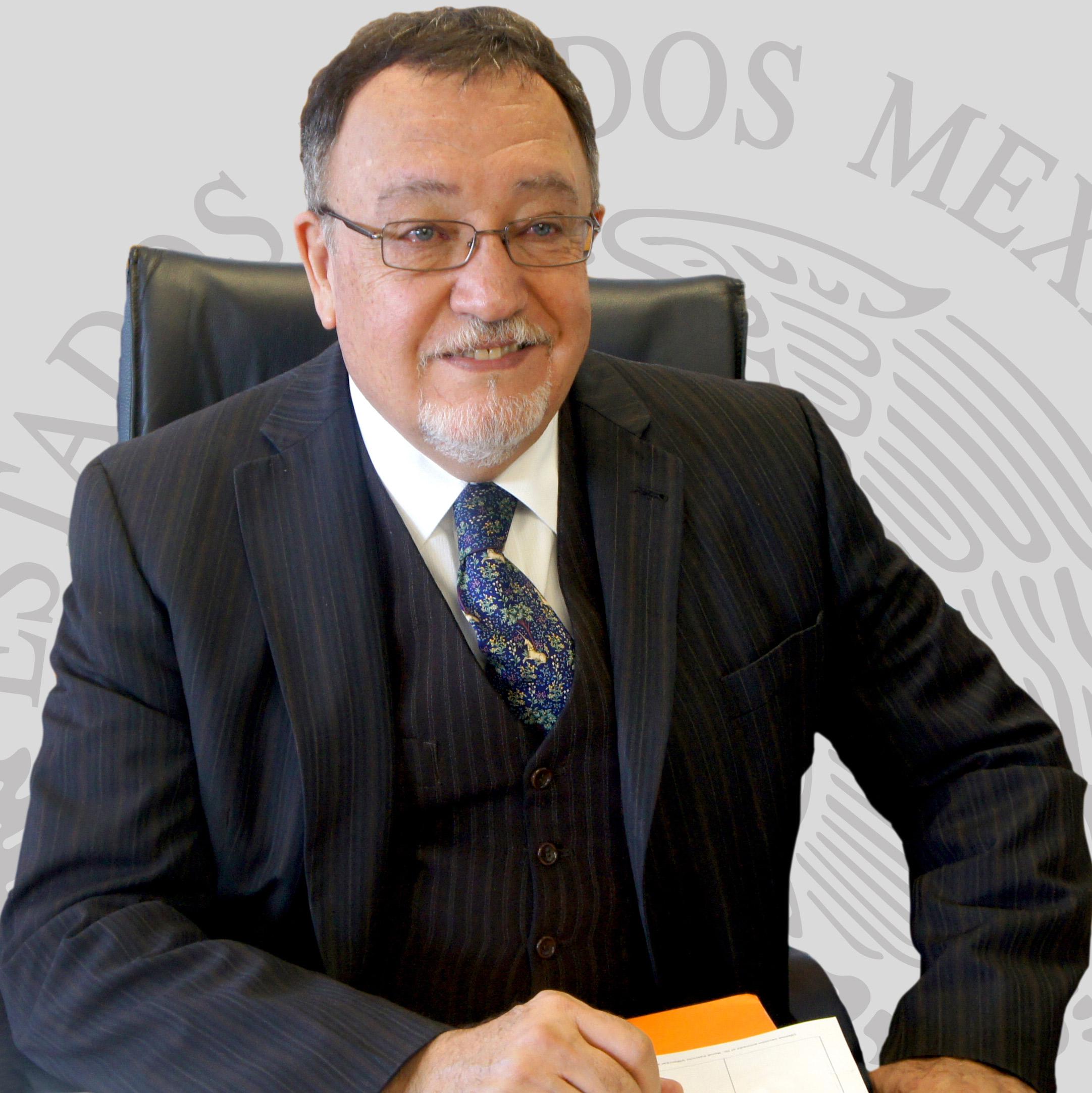 Médico Veterinario Zootecnista por la Universidad Nacional Autónoma de México (UNAM)
