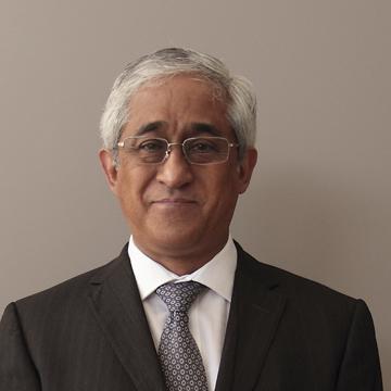 Dr. René Carranza