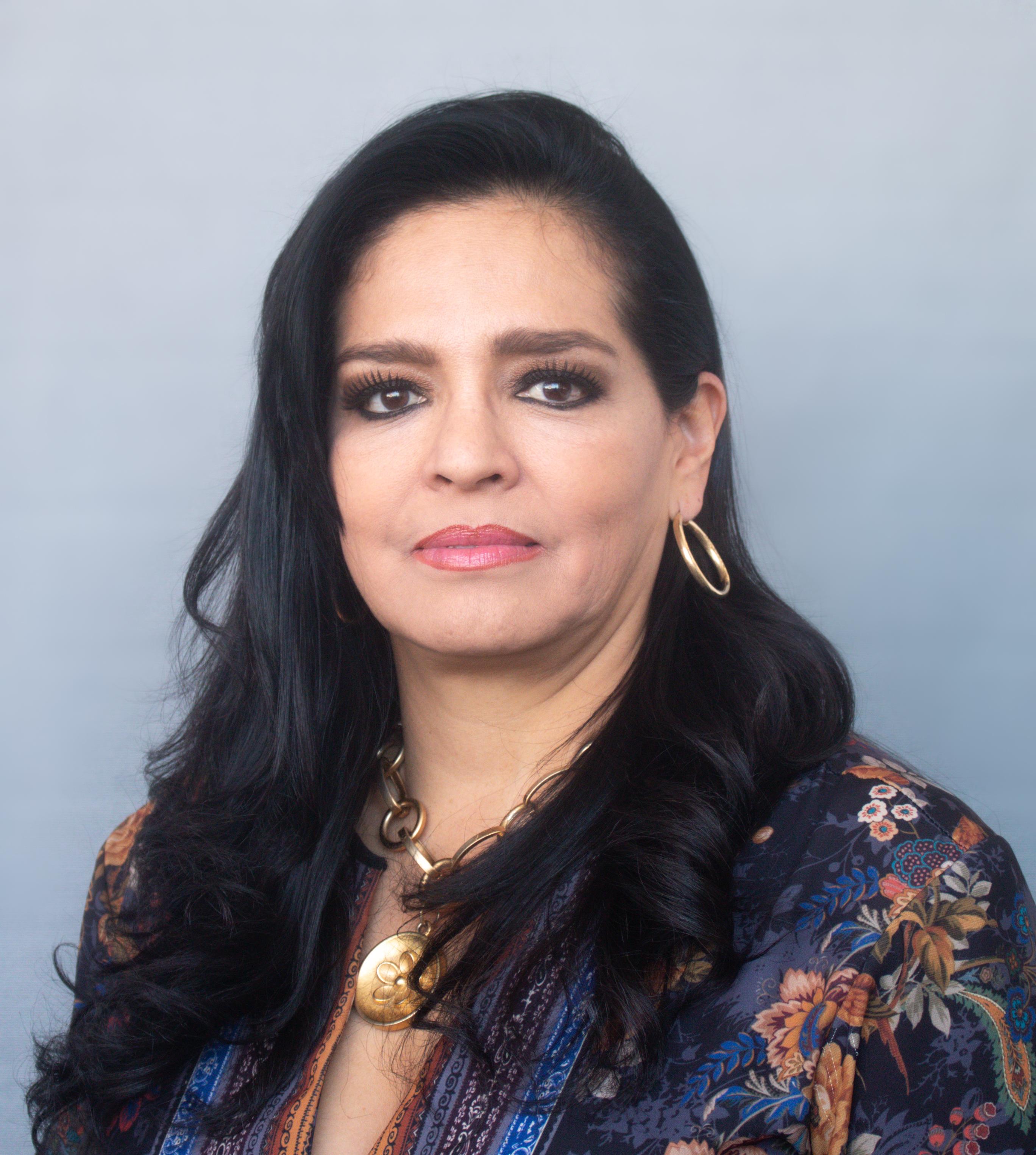 Lirio Elizabeth Rivera Calderón Directora de Ingresos