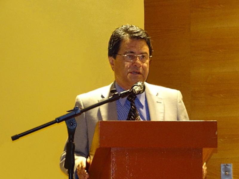 Dr. Manuel de la Llata Romero